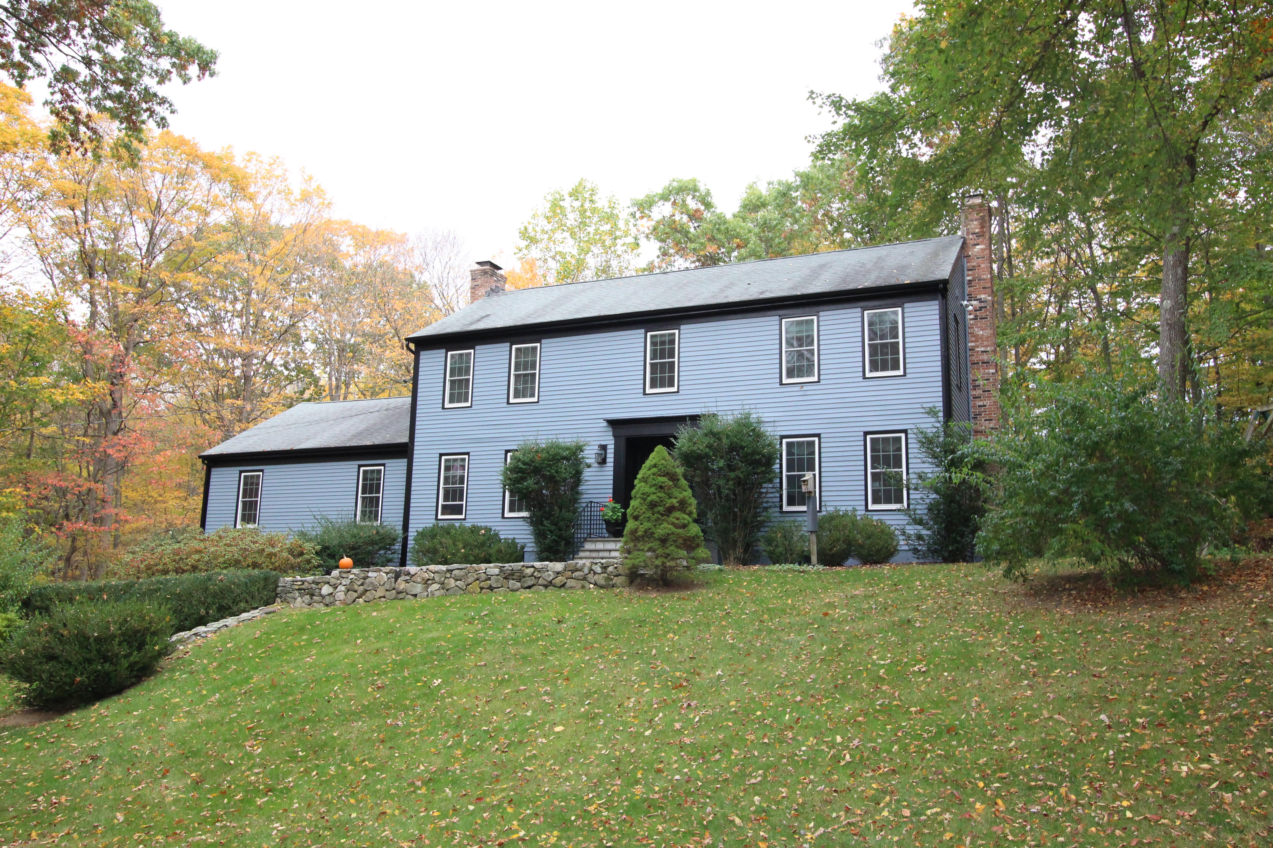 独户住宅 为 销售 在 One of Wilton's Best Neighborhoods 78 Thunder Lake Road 威尔顿, 康涅狄格州, 06897 美国