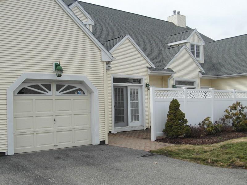 Nhà chung cư vì Bán tại Southwick Village 15 Southwick Court 15 Milford, Connecticut 06460 Hoa Kỳ