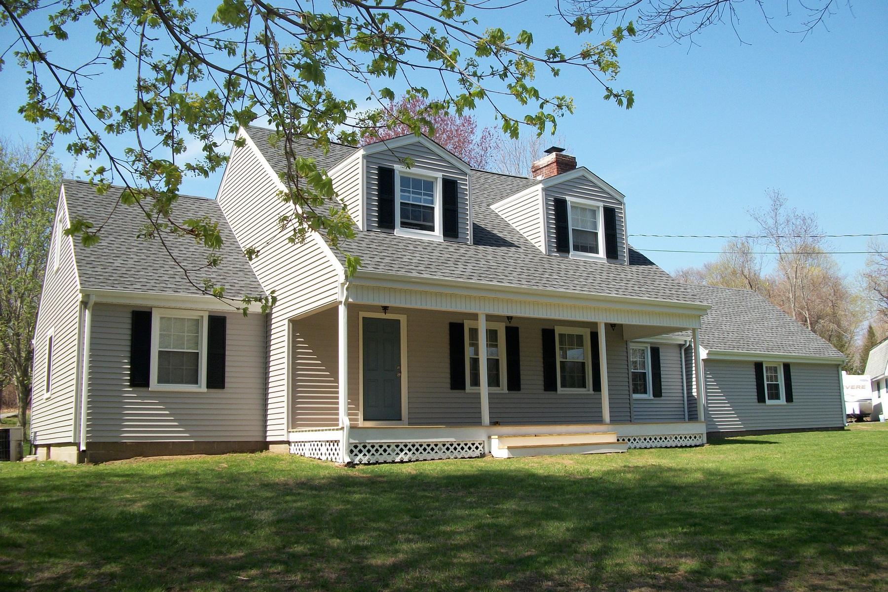 Casa Unifamiliar por un Venta en 685 Durham Rd Madison, Connecticut 06443 Estados Unidos
