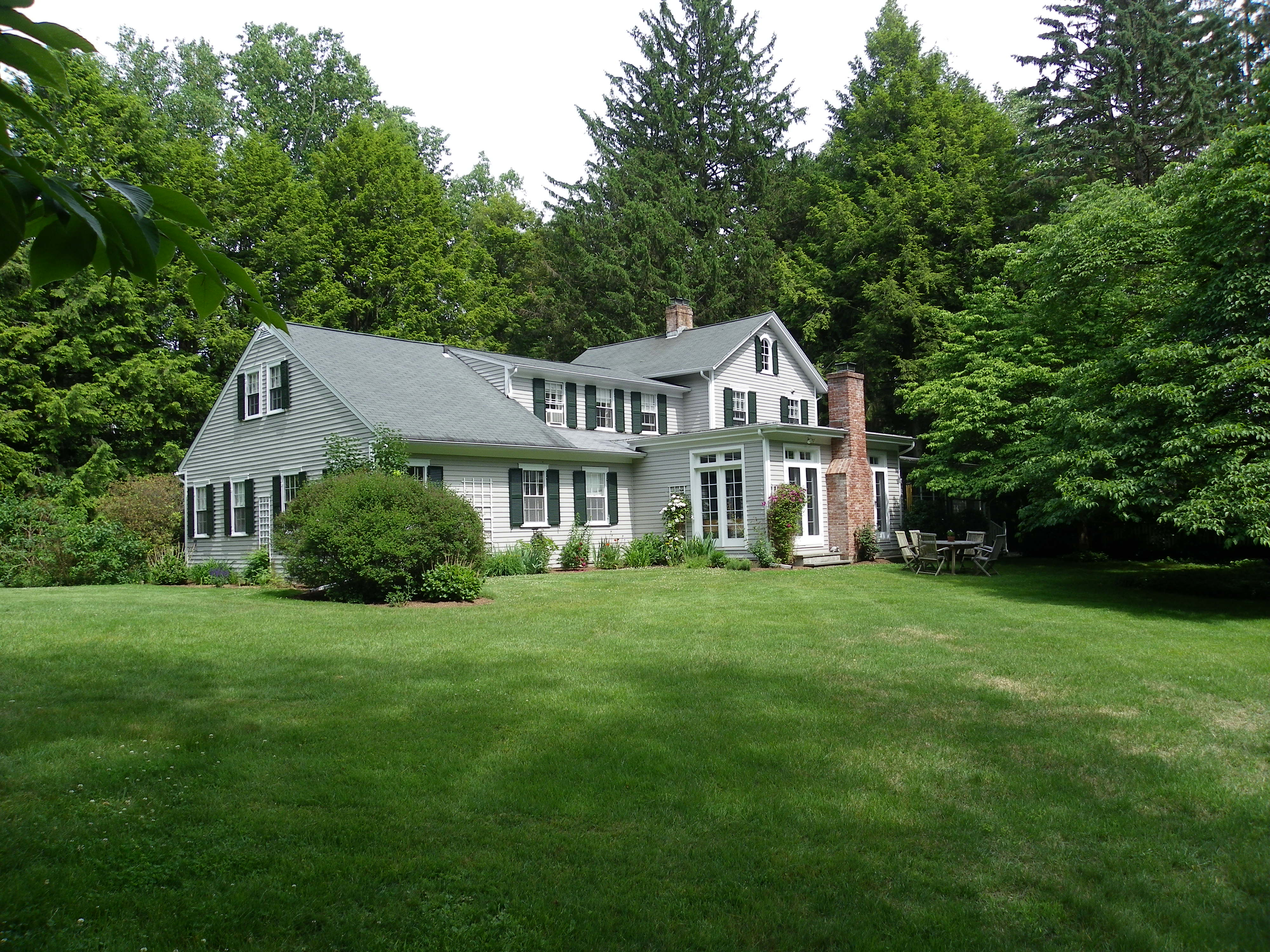 独户住宅 为 销售 在 Farm House in Pastoral Setting 17 Old Rock Lane Norwalk, 康涅狄格州 06850 美国
