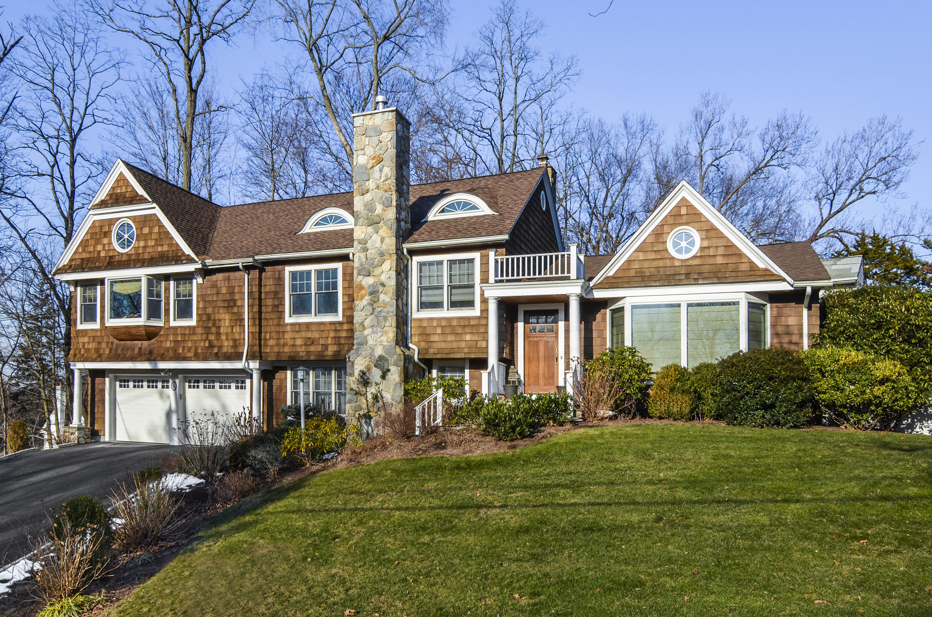 Single Family Home for Sale at Delightful Colonial 6 Skytop Road Scarsdale, New York, 10583 United States