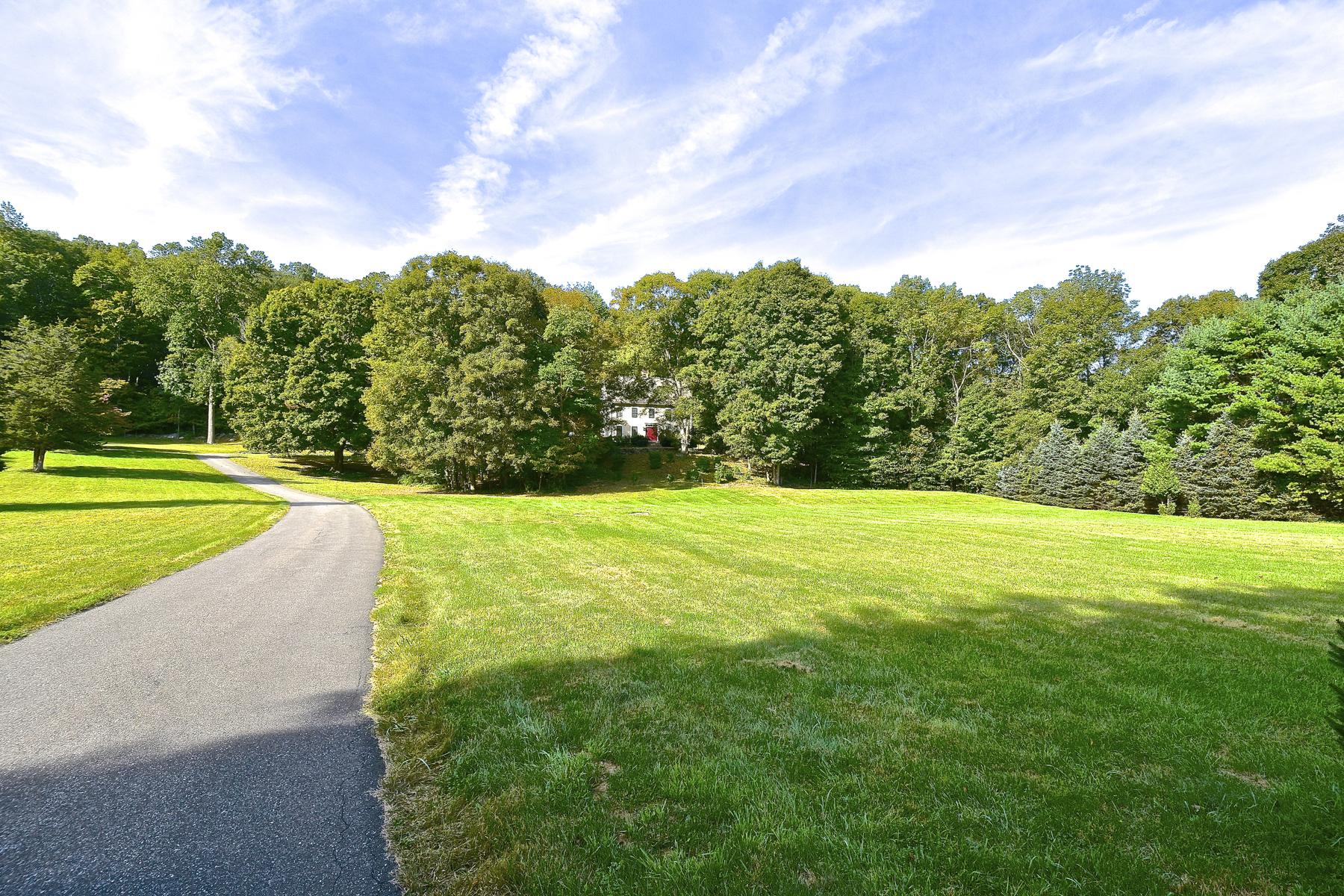 Einfamilienhaus für Verkauf beim Scenic Cedar Lake Rd In Chester 79 Cedar Lake Rd Chester, Connecticut, 06412 Vereinigte Staaten