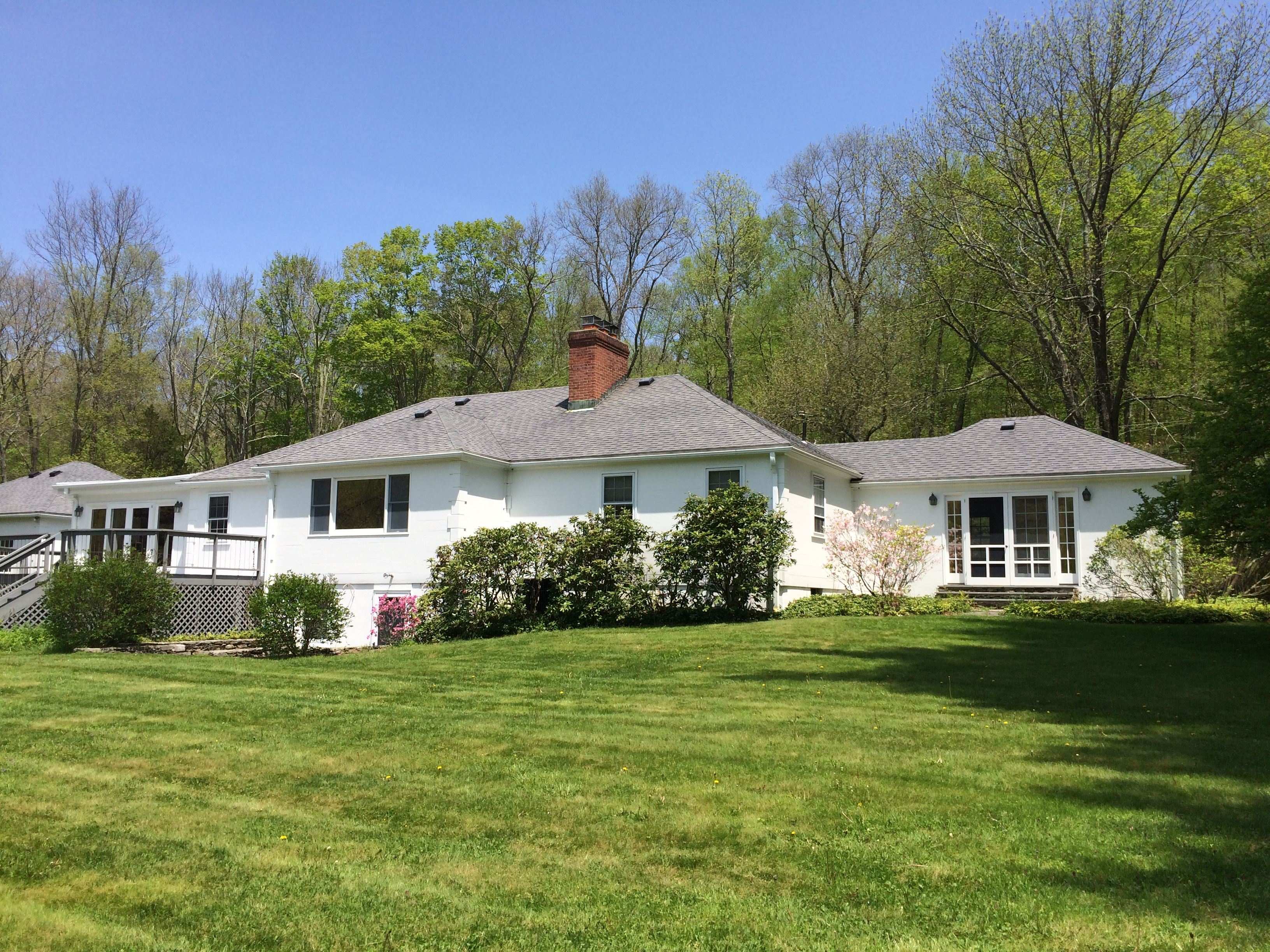 Single Family Home for Sale at Sophisticated Single Level on 78.51 Acres 285 Good Hill Rd Woodbury, Connecticut 06798 United States