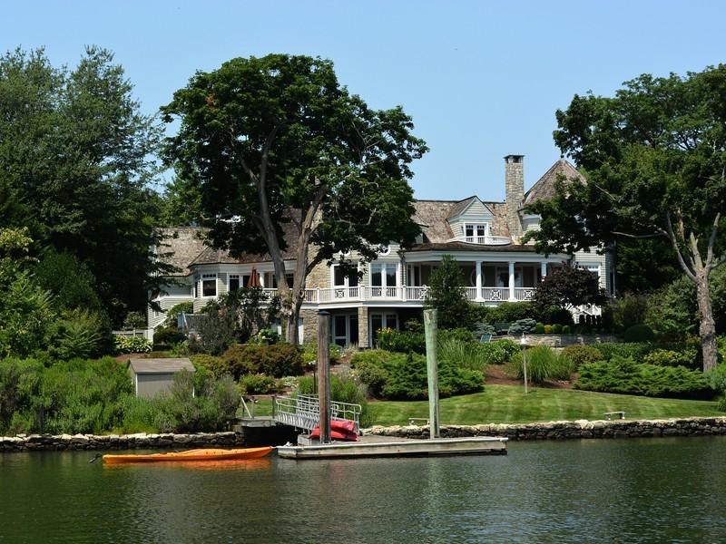 Casa para uma família para Venda às Magnificent Views 11 Stony Point Road Westport, Connecticut 06880 Estados Unidos