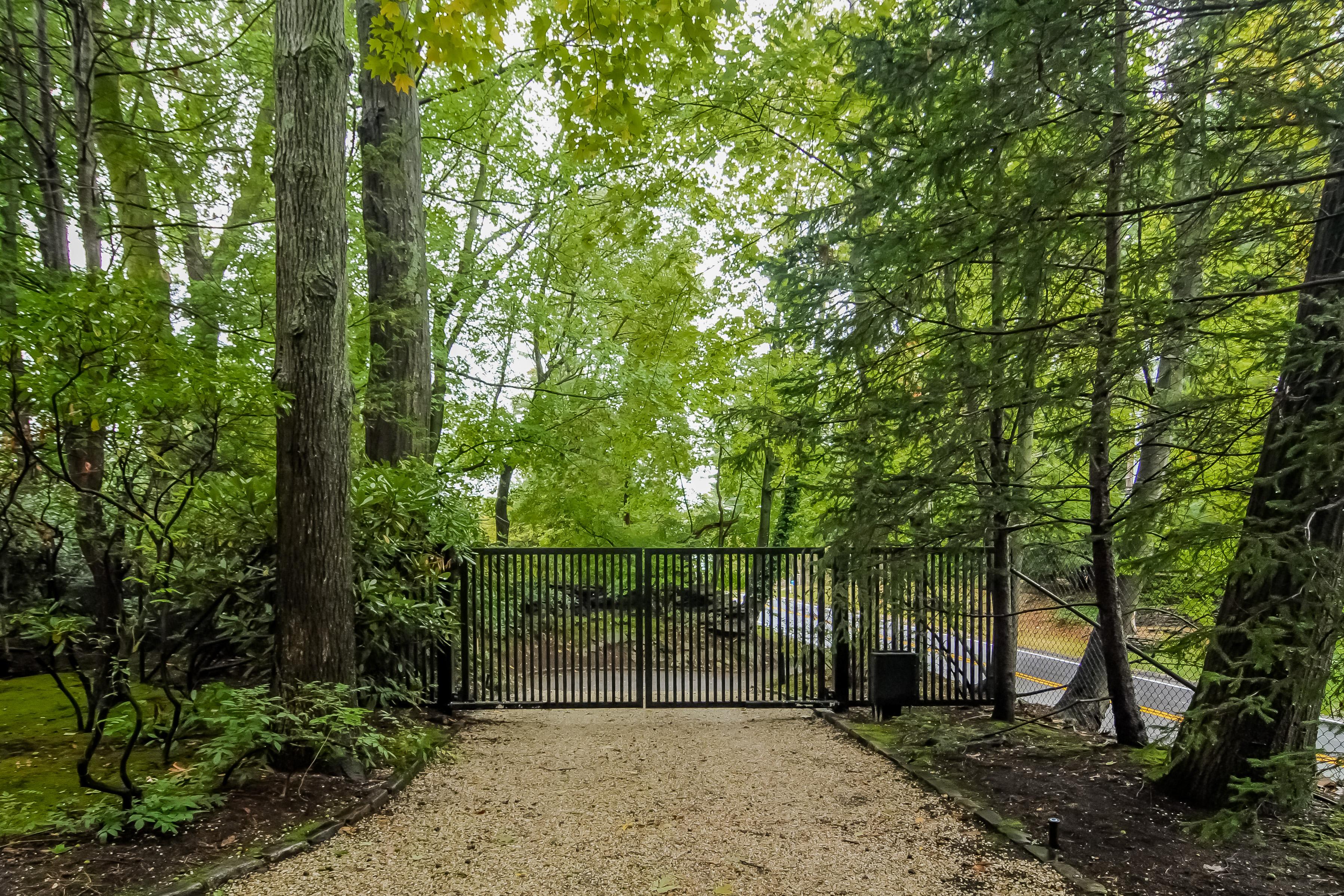 独户住宅 为 销售 在 45 Polly Park Road Rye, 纽约州 10580 美国