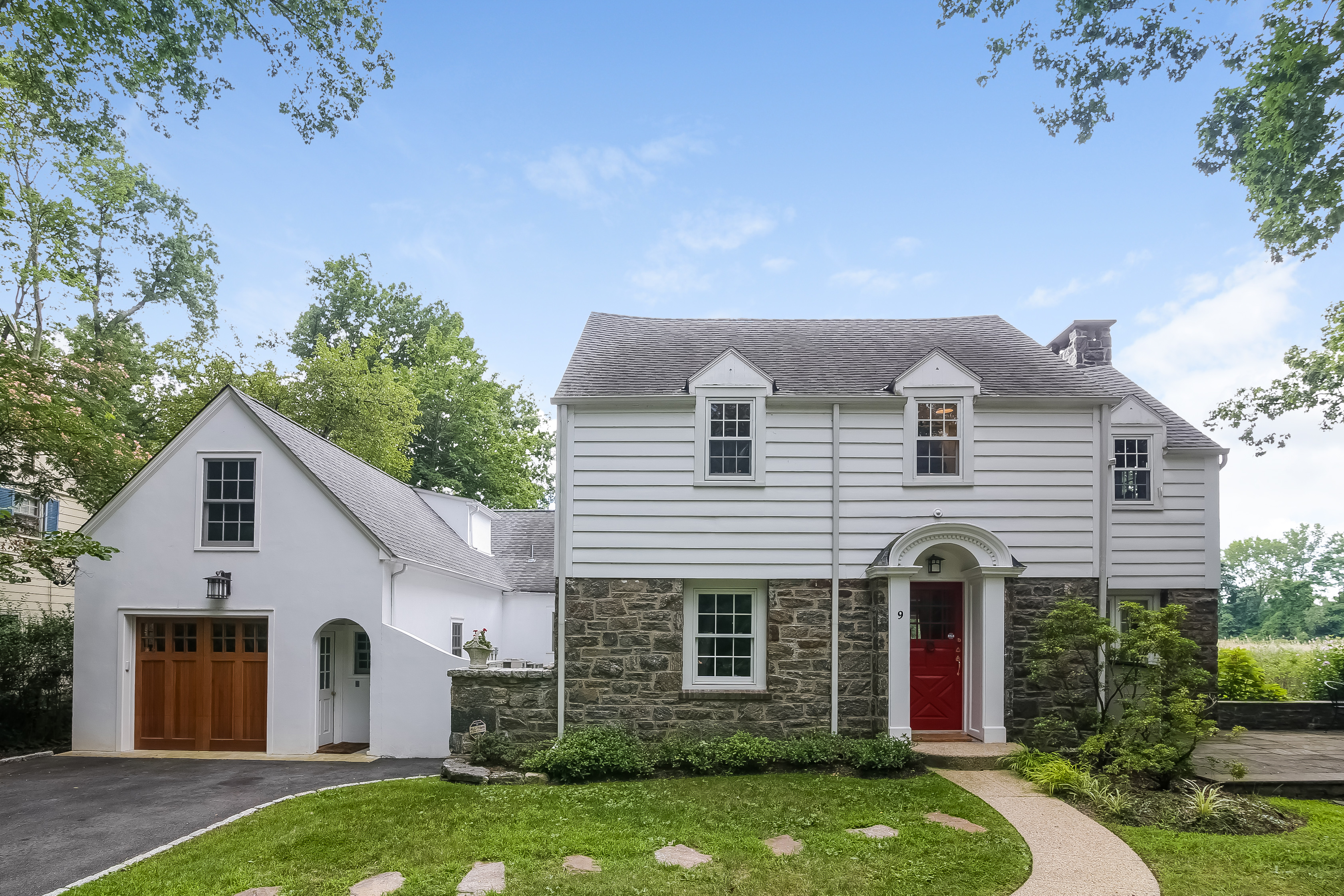 Einfamilienhaus für Verkauf beim 9 Charlotte Street Rye, New York, 10580 Vereinigte Staaten