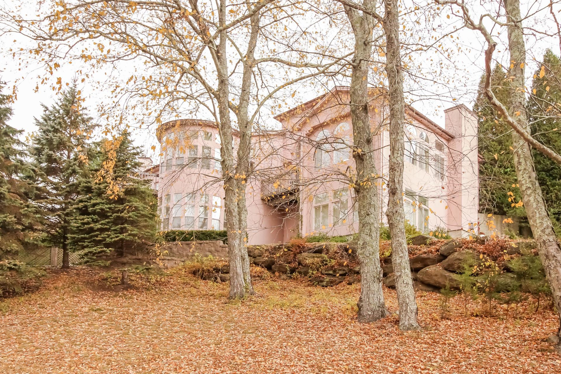 独户住宅 为 销售 在 Fabulous Countryside Retreat 6 Halpine Road 新米尔福德, 康涅狄格州 06776 美国