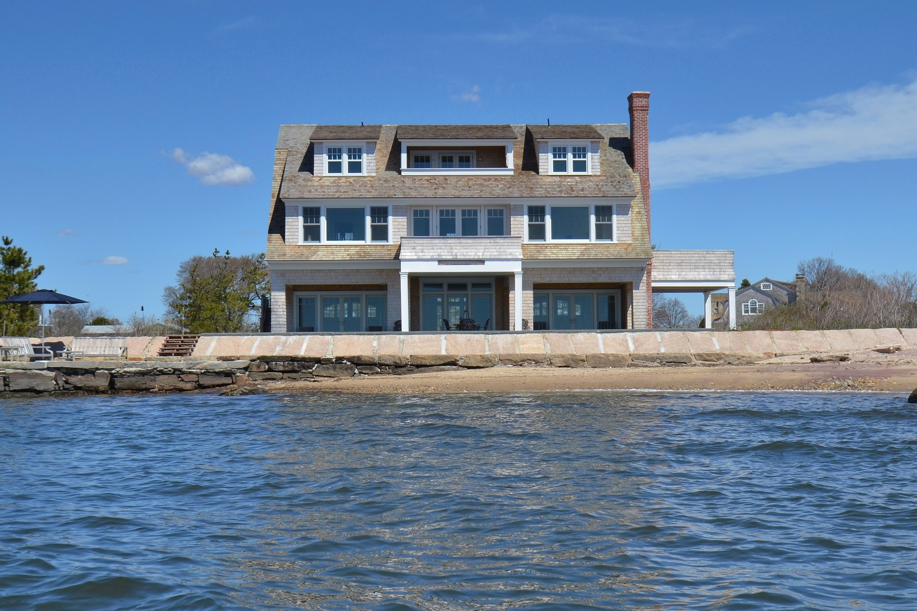 独户住宅 为 销售 在 Waterfront Paradise 6 Mohegan Ave Old Saybrook, 康涅狄格州 06475 美国