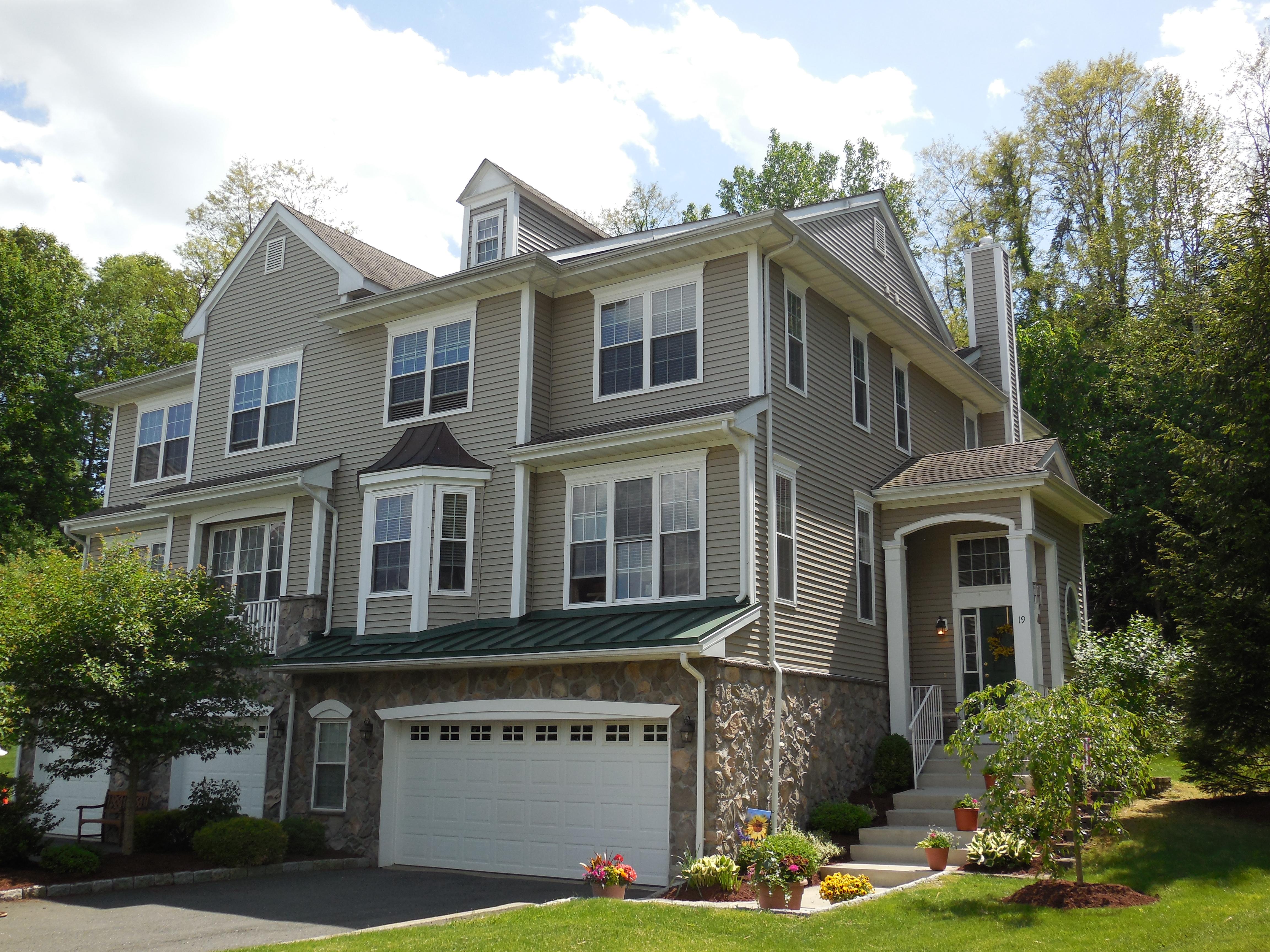 Residência urbana para Venda às 19 Cambridge Drive 19 Cambridge Drive 19 Danbury, Connecticut 06811 Estados Unidos
