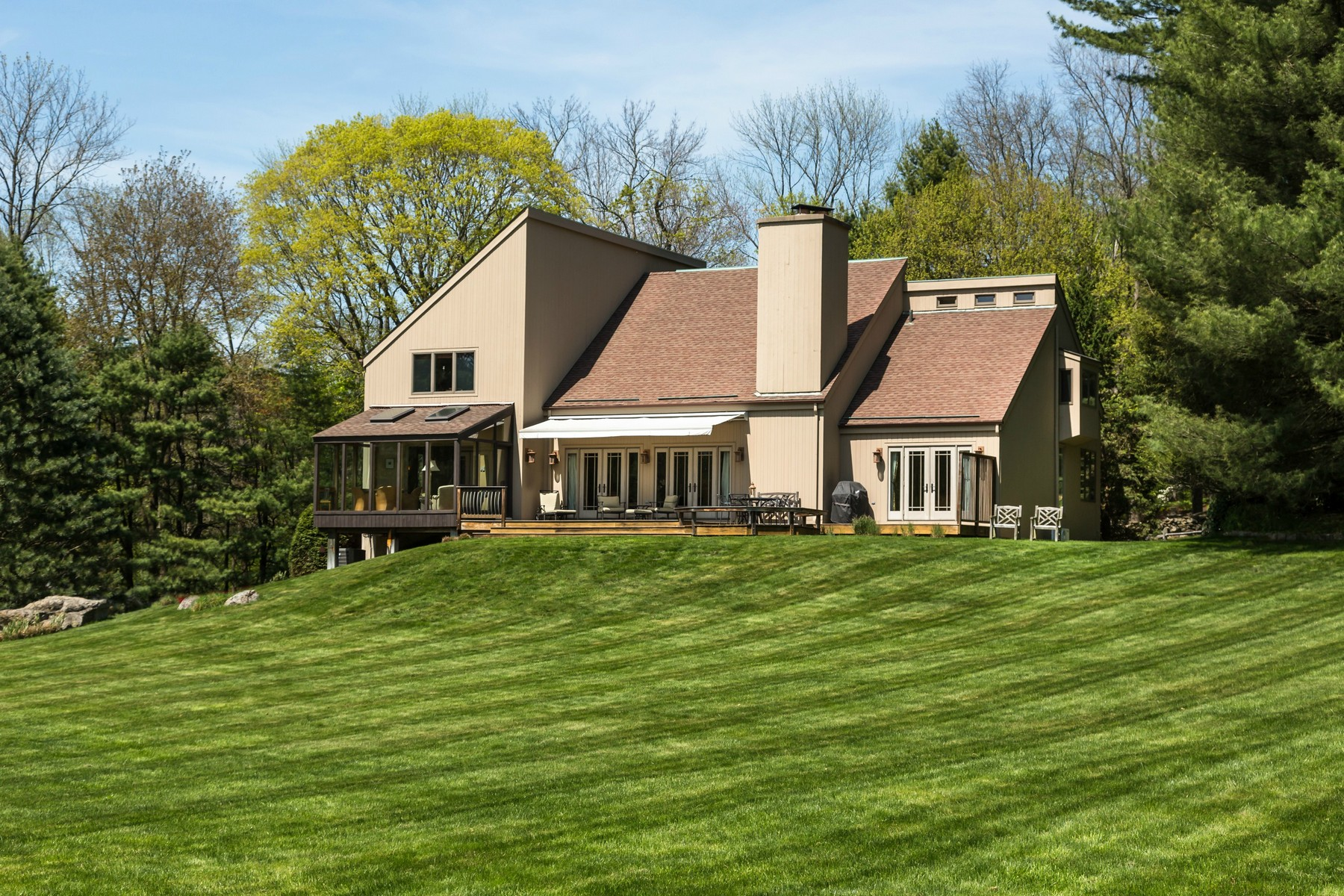 Single Family Home for Sale at Sophisticated Greenfield Hill Contemporary 1313 Old Academy Road Fairfield, Connecticut, 06824 United States