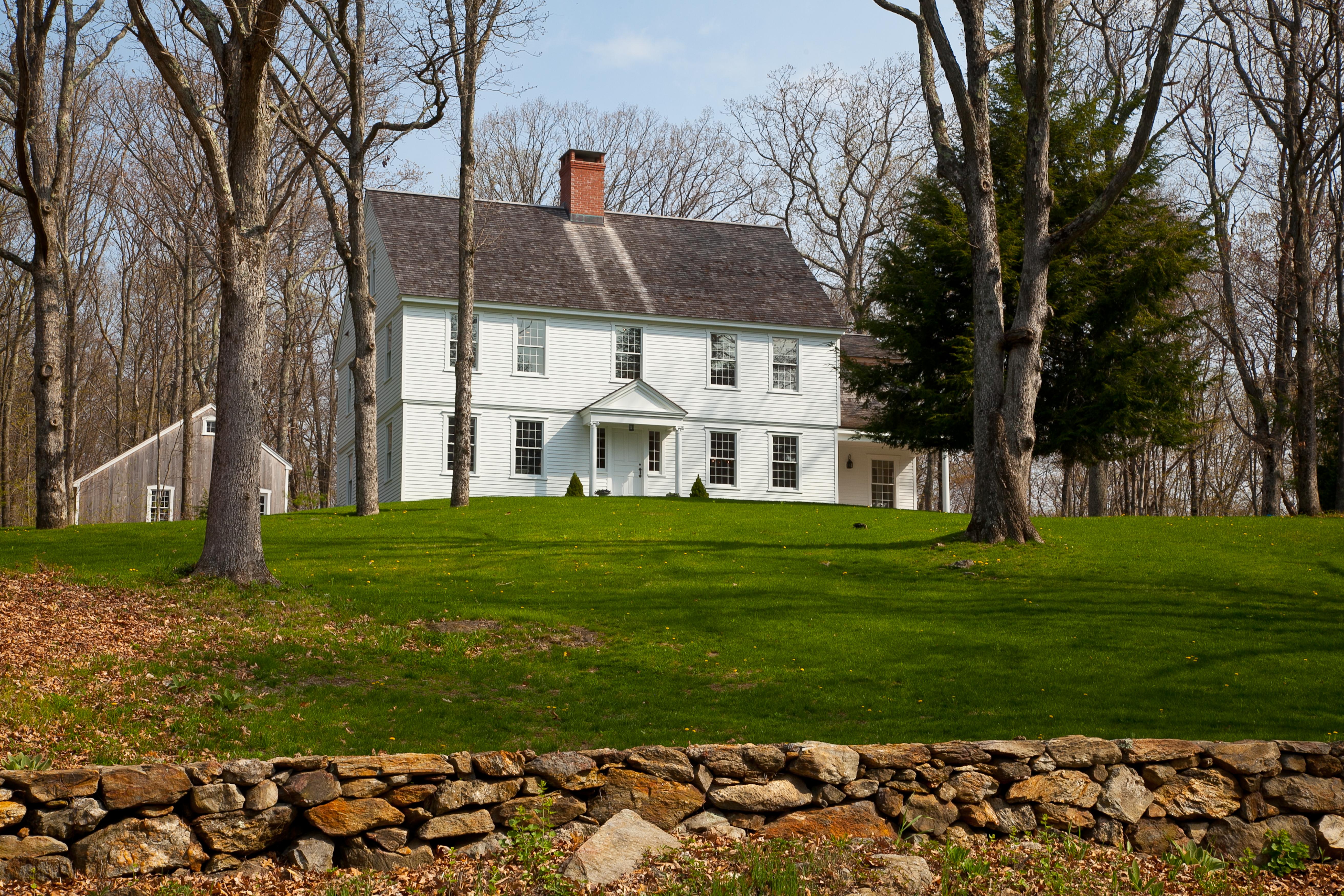 Casa Unifamiliar por un Venta en Stunning Reproduction Colonial 245 Painter Hill Rd Roxbury, Connecticut 06783 Estados Unidos