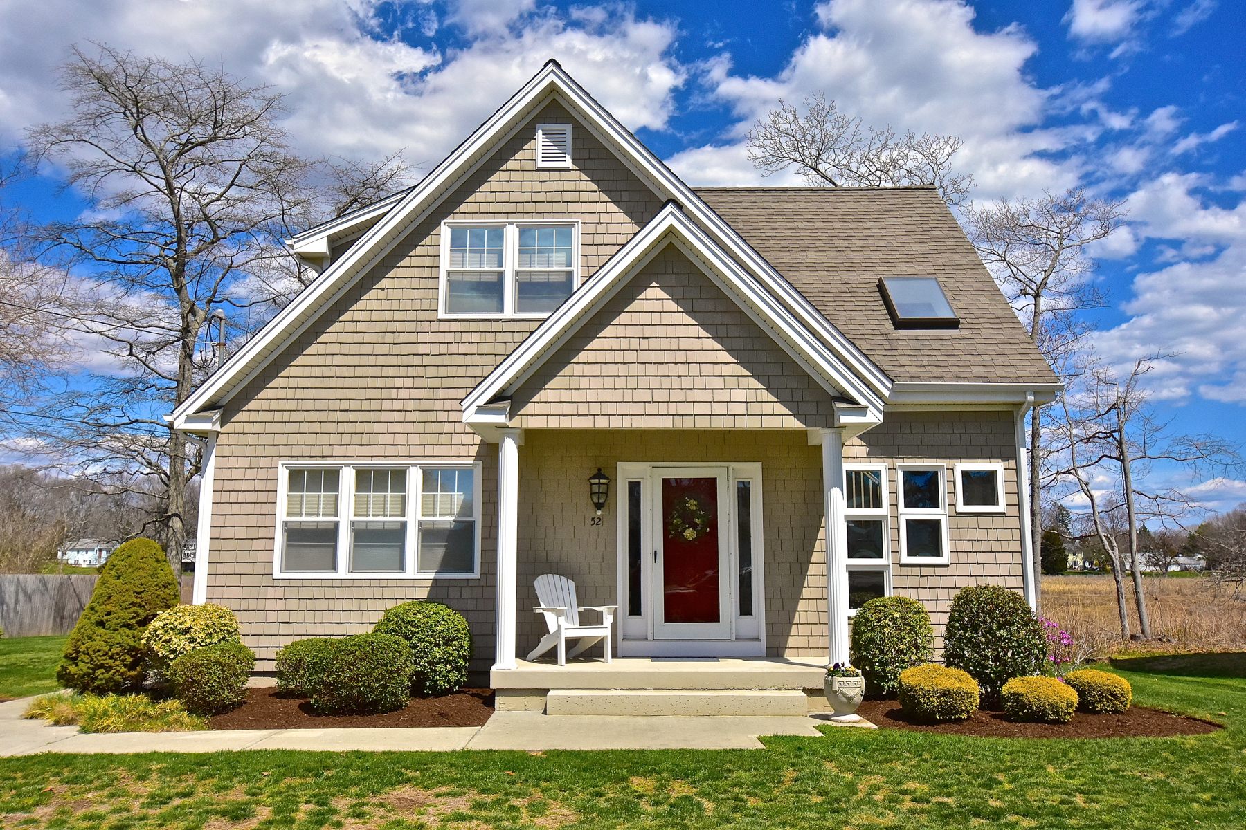 獨棟家庭住宅 為 出售 在 Year Round Home at Knollwood Beach 52 Neptune Dr Old Saybrook, 康涅狄格州 06475 美國