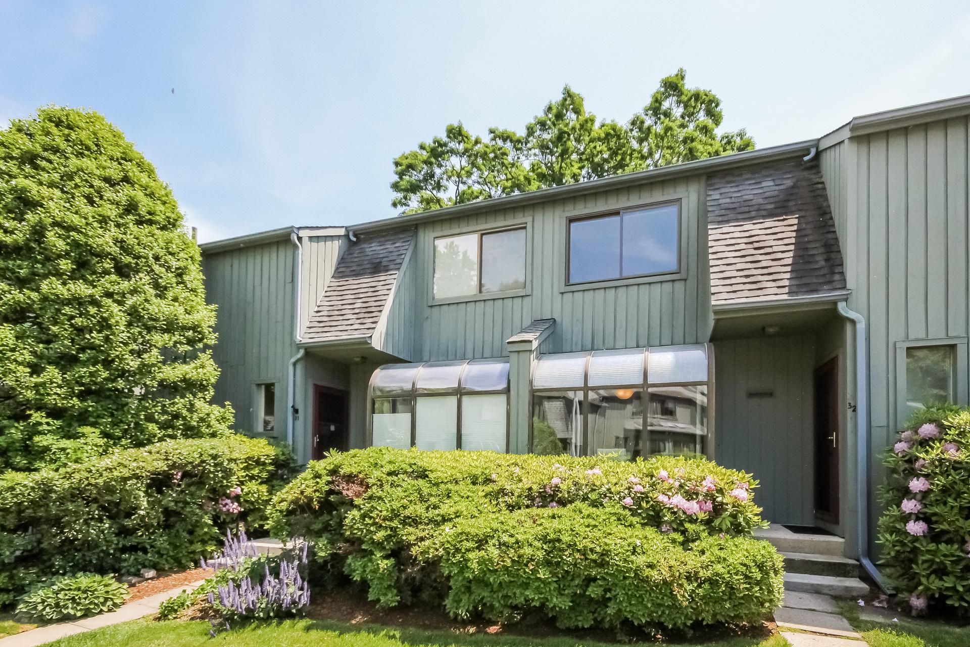 Appartement en copropriété pour l Vente à Silvermine Crossing 123 Old Belden Hill Road 32 Silvermine, Norwalk, Connecticut, 06850 États-Unis