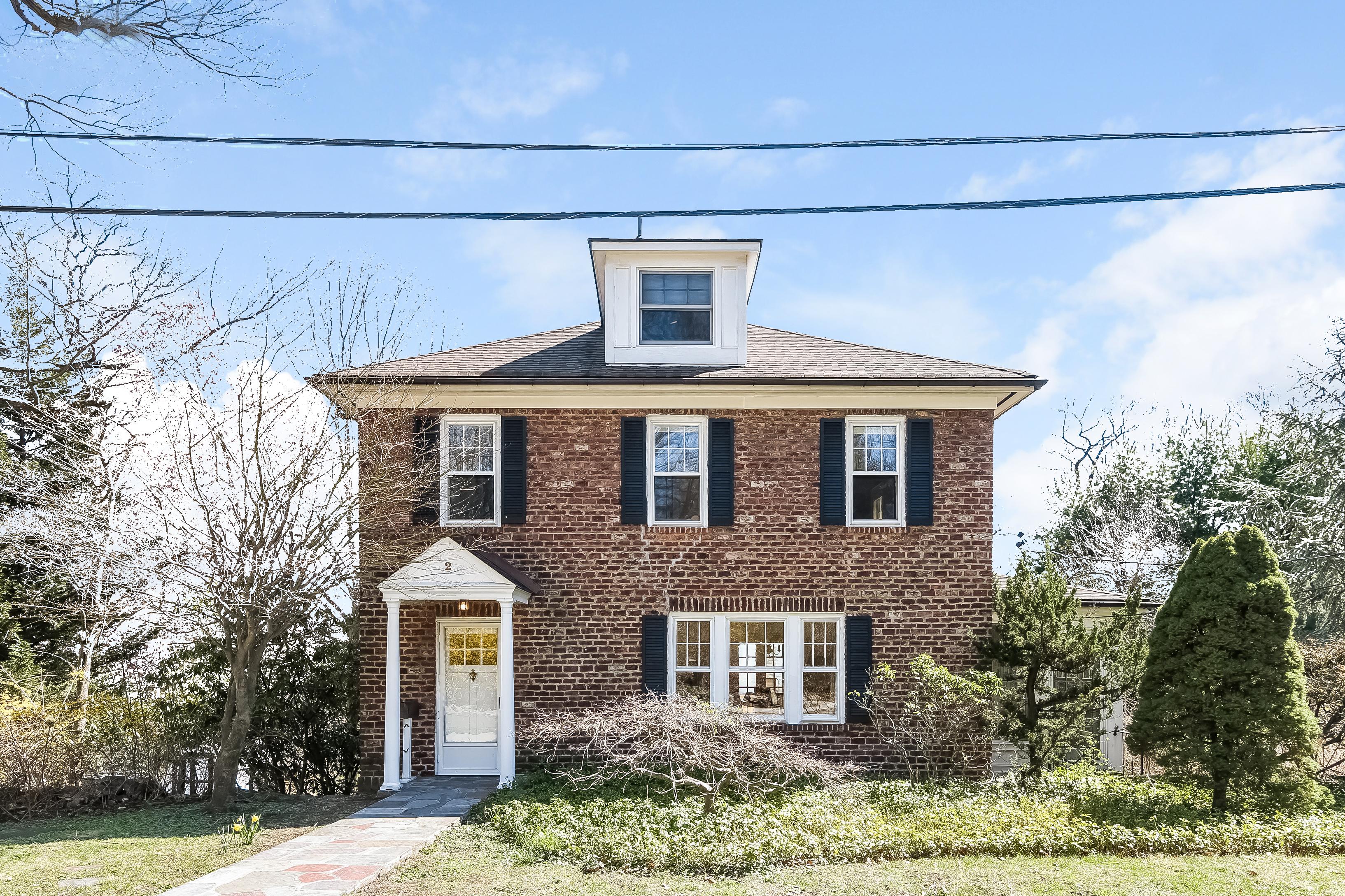 sales property at 2 Fairmont