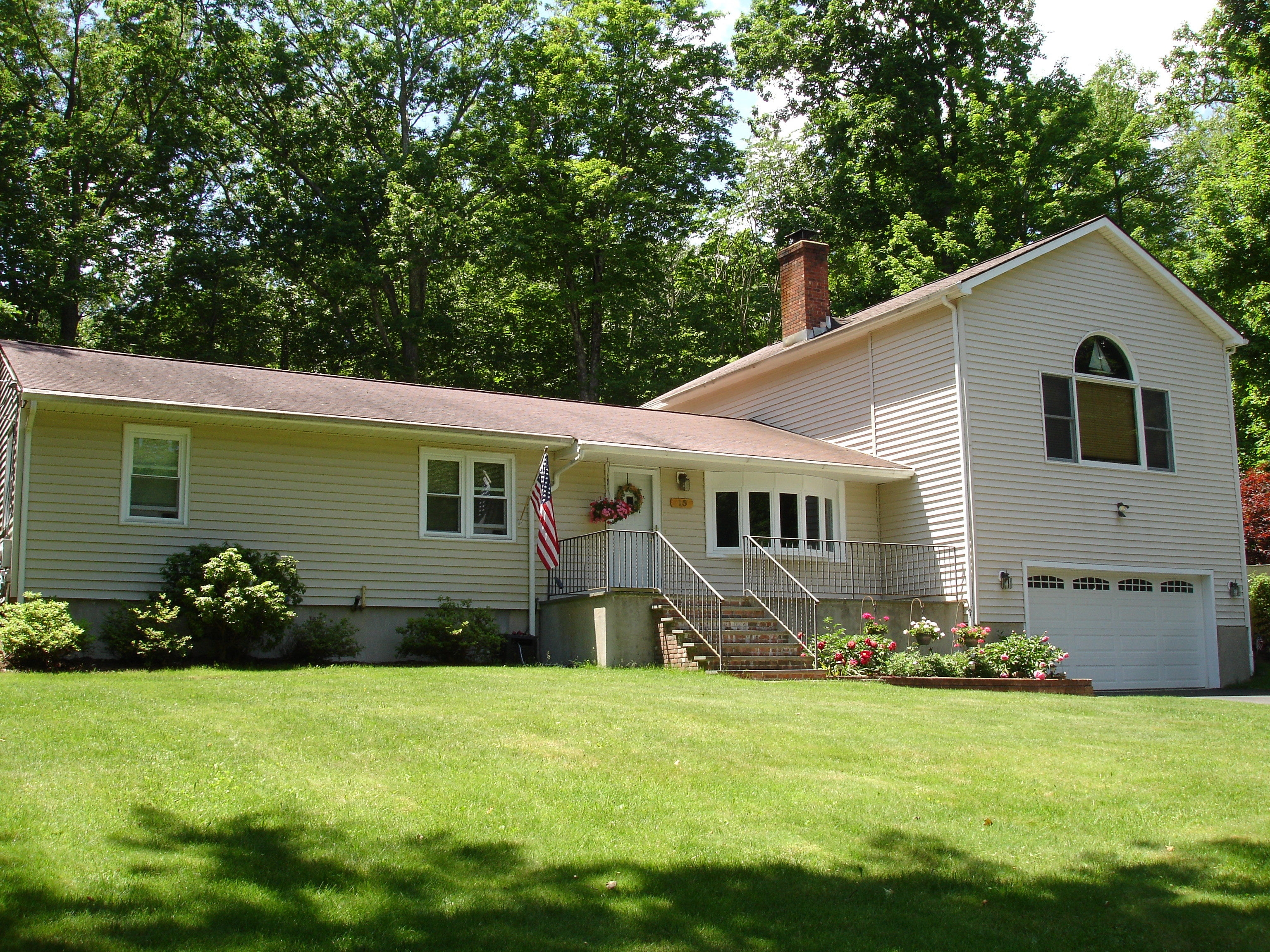 Single Family Home for Sale at Well Maintained And Updated 15 Blackwood Road Brookfield, Connecticut, 06804 United States