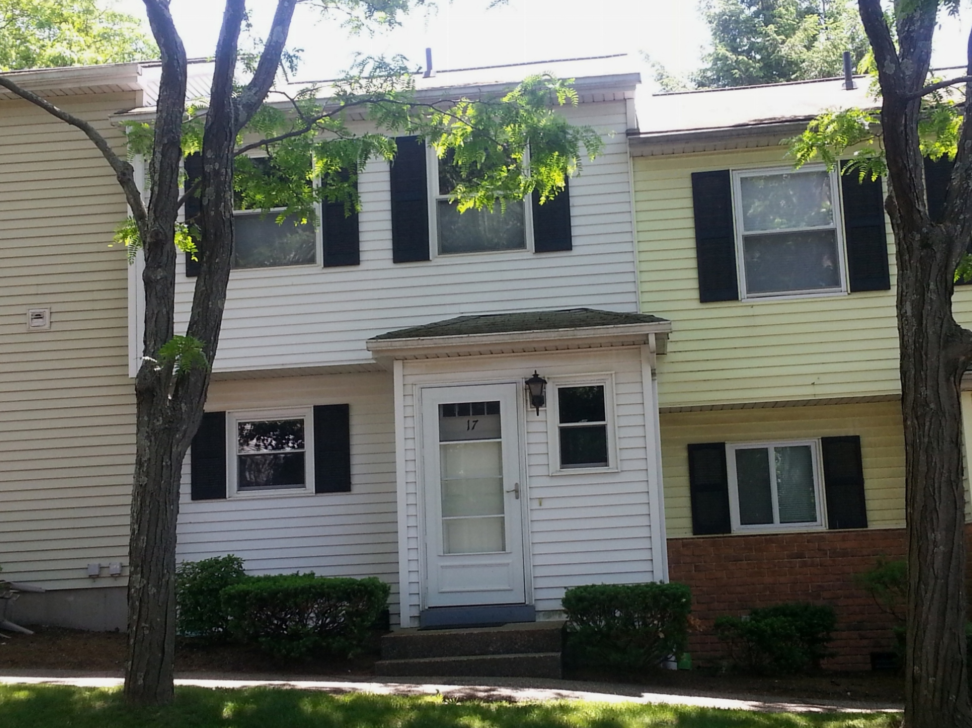 Villetta a schiera per Vendita alle ore Nicely Maintained Townhouse 25 Padanaram Road 17 Danbury, Connecticut, 06811 Stati Uniti
