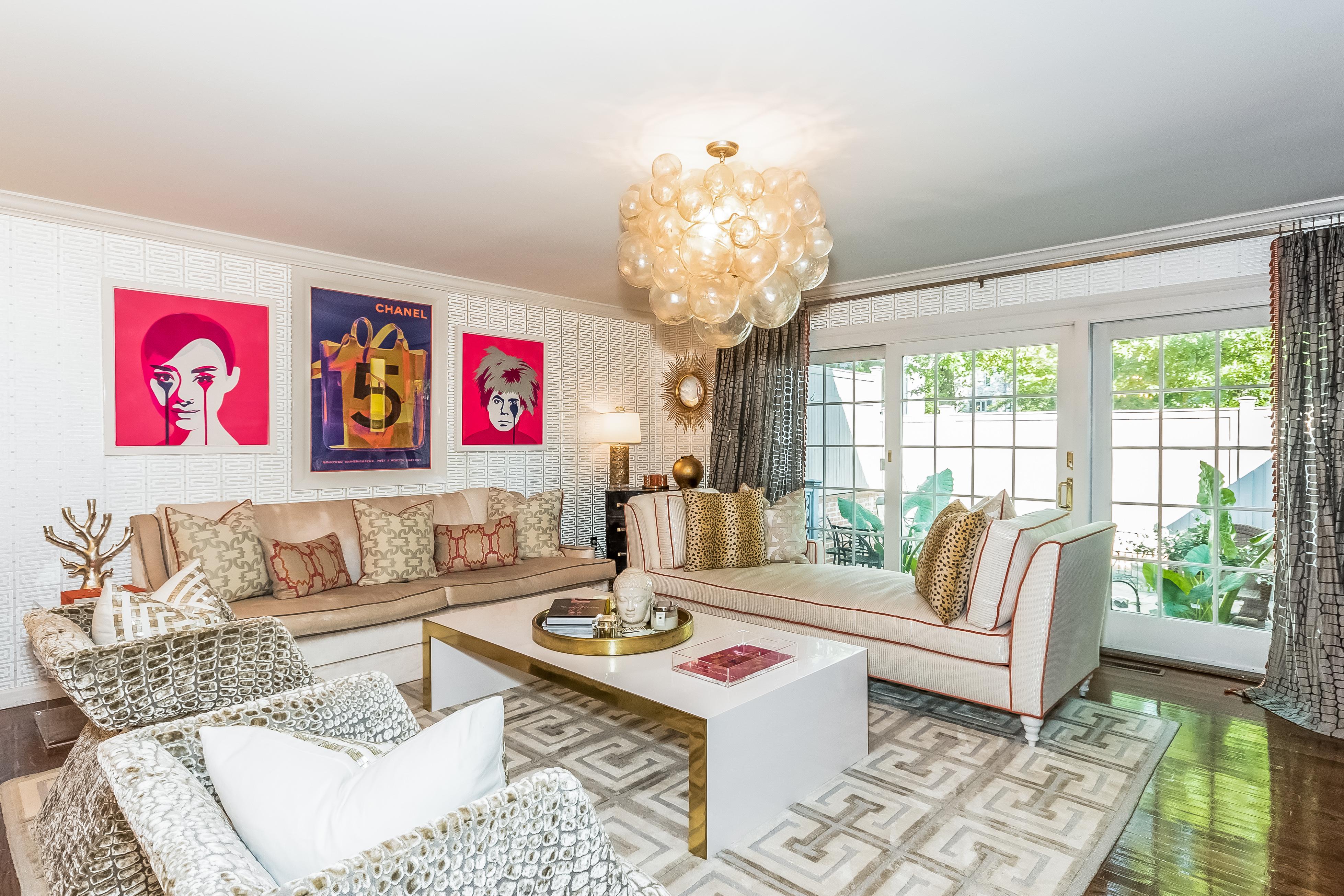 sales property at Condominium Couture