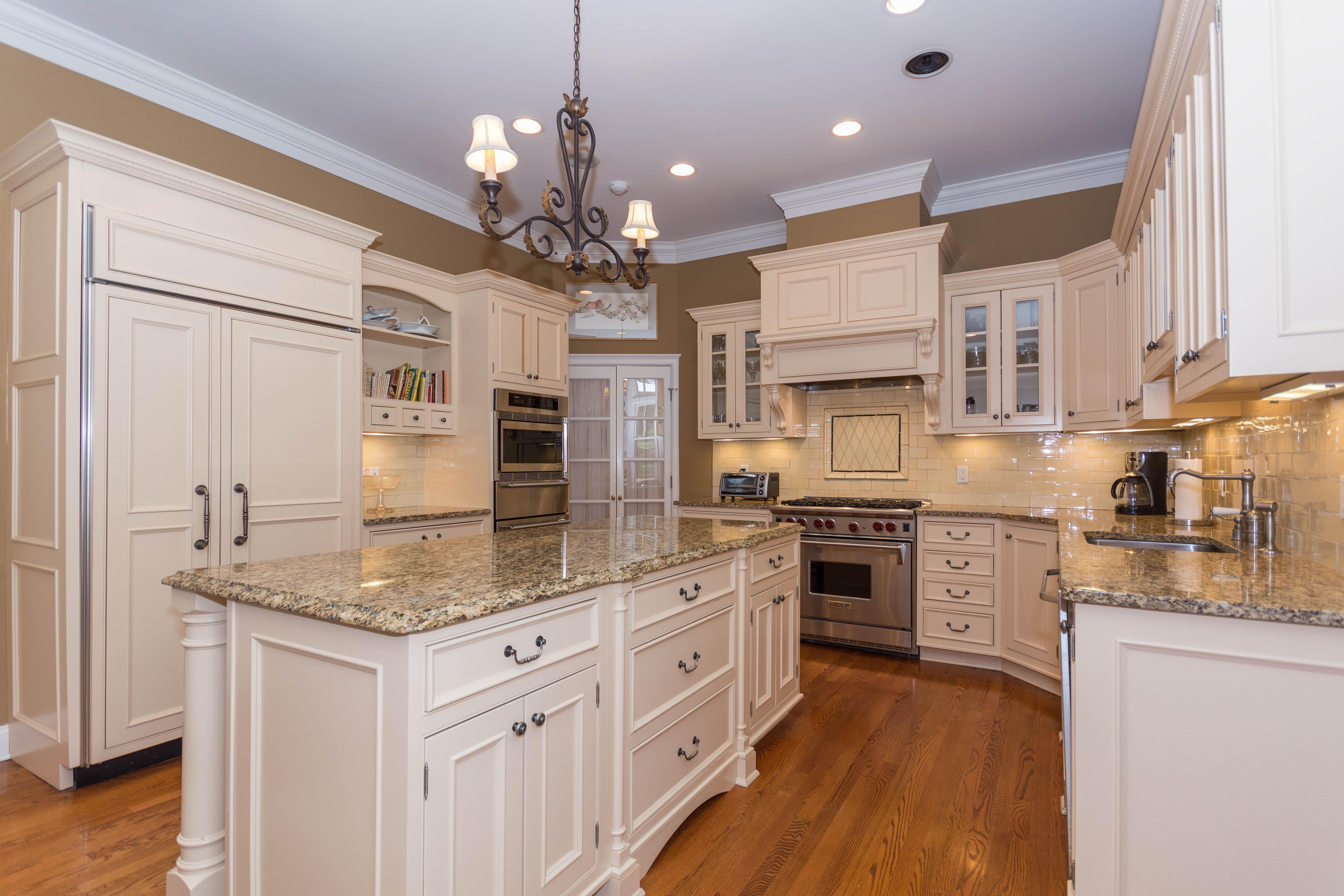 단독 가정 주택 용 매매 에 Sophisticated Contemporary Ranch 3 Pink Cloud Lane Weston, 코네티컷, 06883 미국