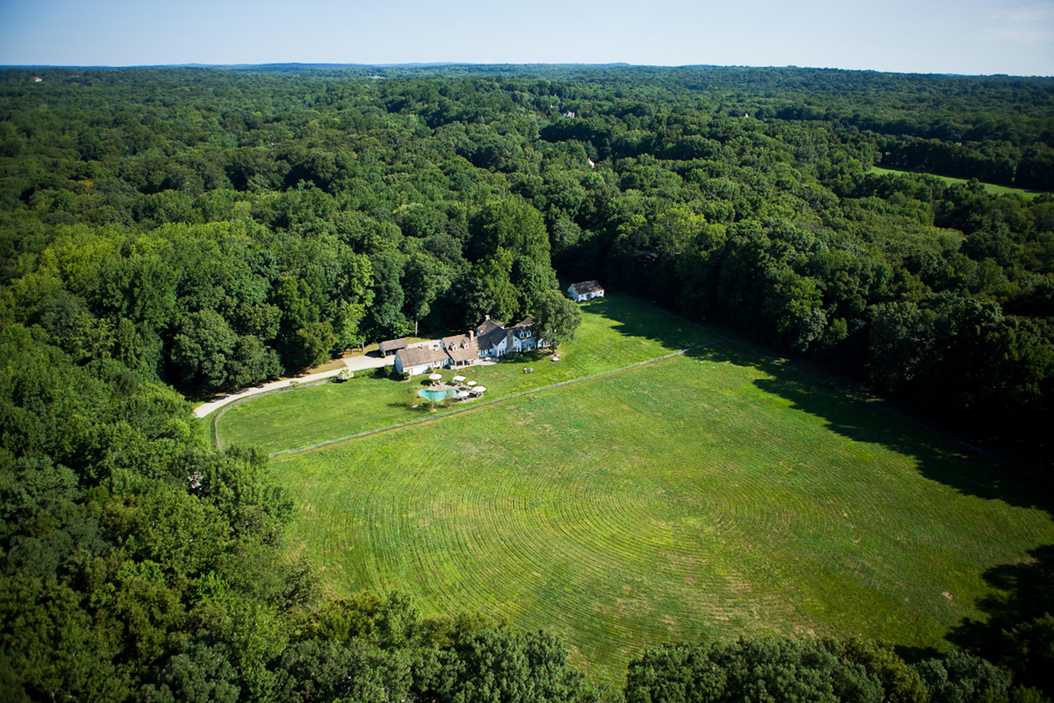 Casa para uma família para Venda às Rare 20 Acre Country Estate 1170 Hulls Farm Road Southport, Fairfield, Connecticut, 06890 Estados Unidos