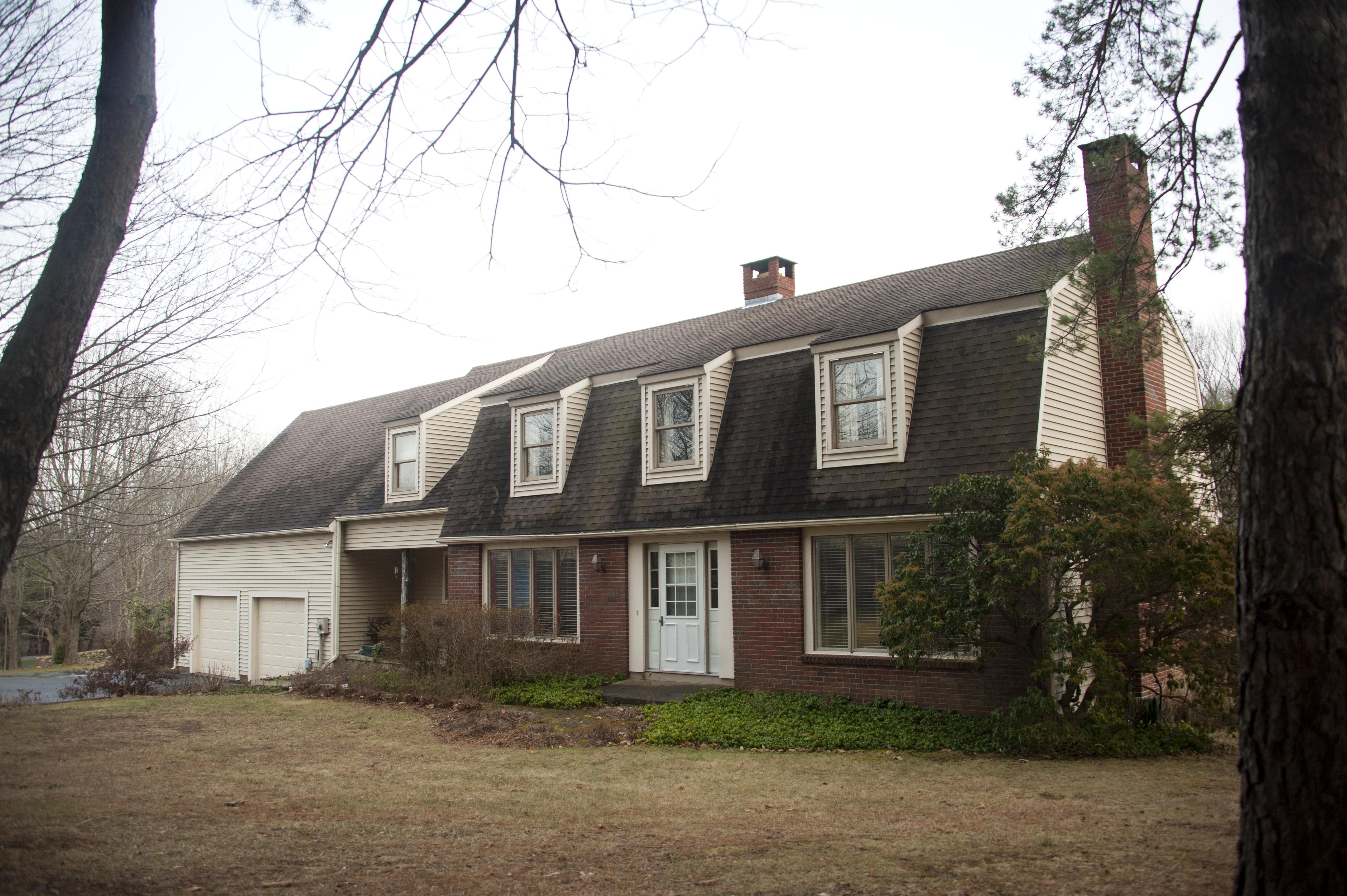 Maison unifamiliale pour l Vente à Comfortable Colonial in Washington 27 Winston Dr Washington, Connecticut 06794 États-Unis