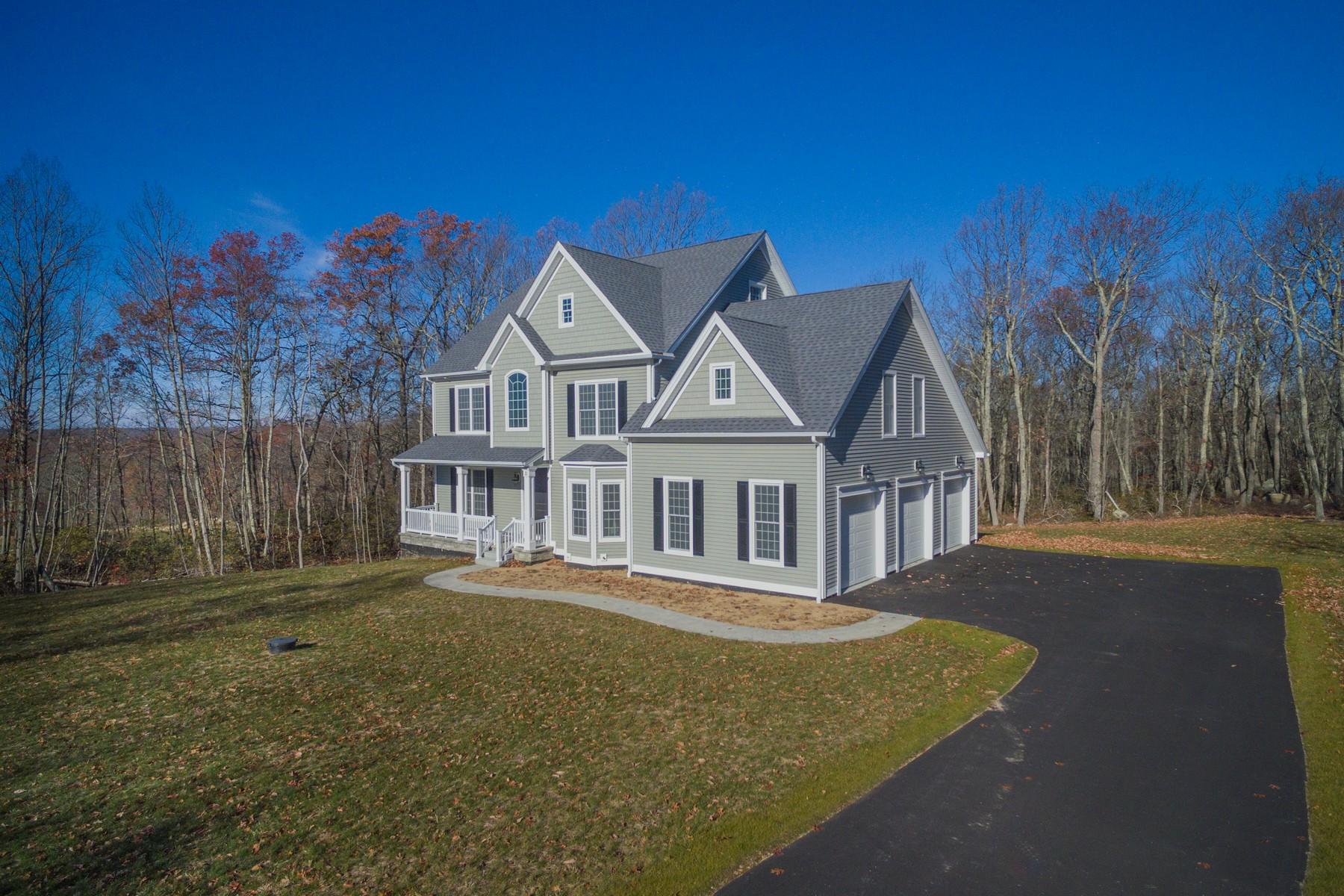 단독 가정 주택 용 매매 에 Custom Designed Colonial 11 Partridge Ct East Lyme, 코네티컷, 06333 미국