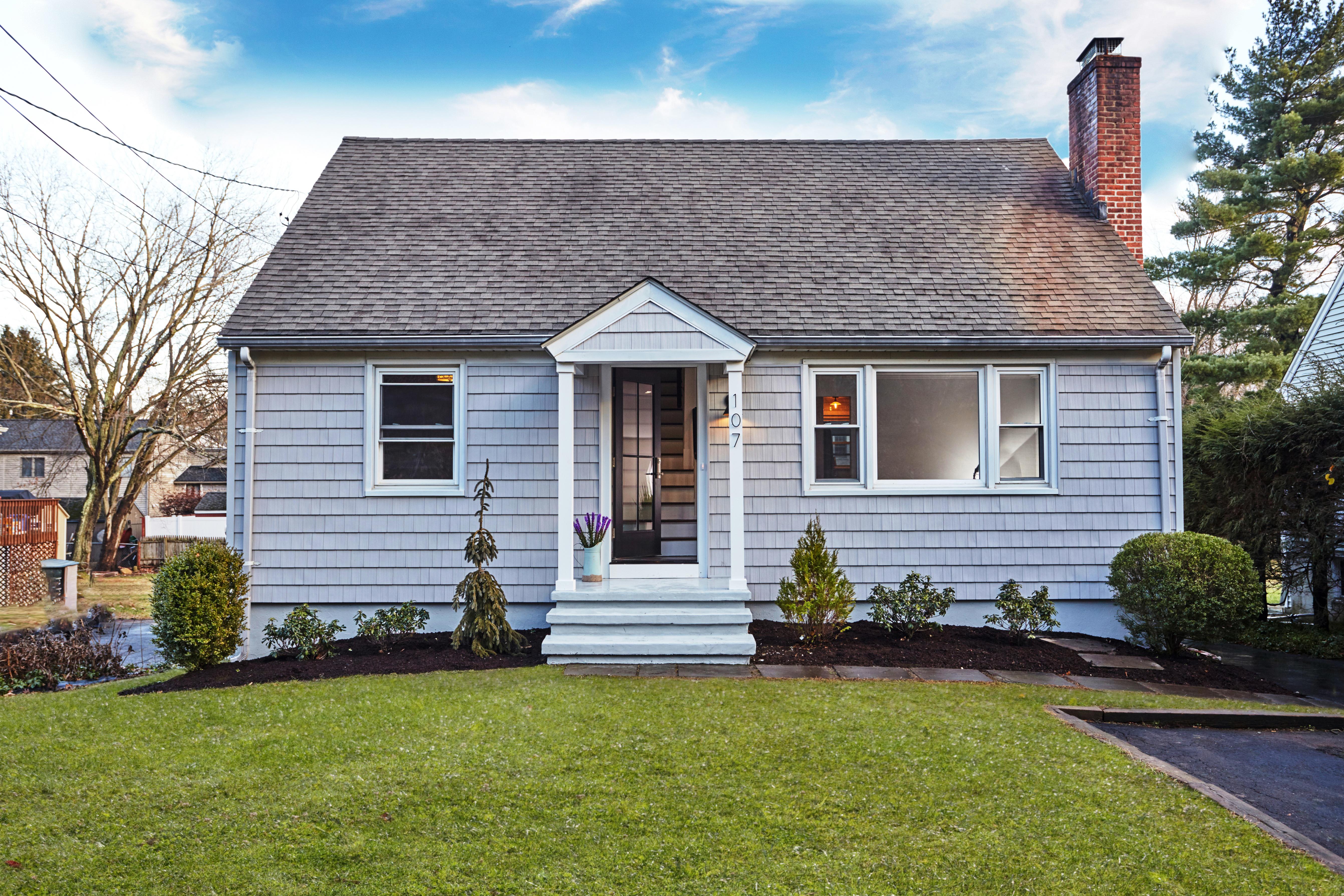 独户住宅 为 销售 在 107 Valley Road 韦斯特波特, 康涅狄格州, 06880 美国