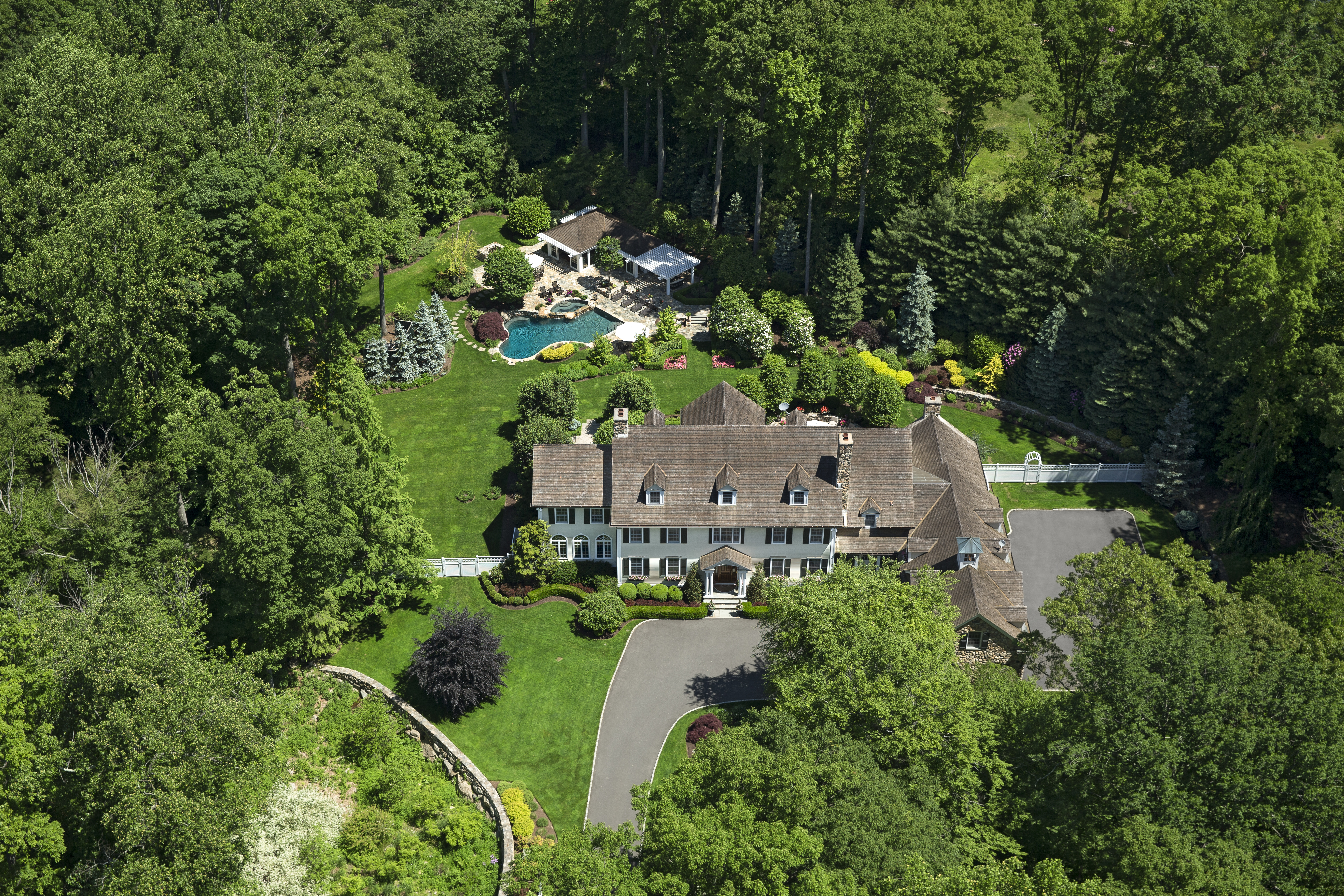 Vivienda unifamiliar por un Venta en Stately Home and Grounds in West Road Enclave 709 West Road New Canaan, Connecticut, 06840 Estados Unidos