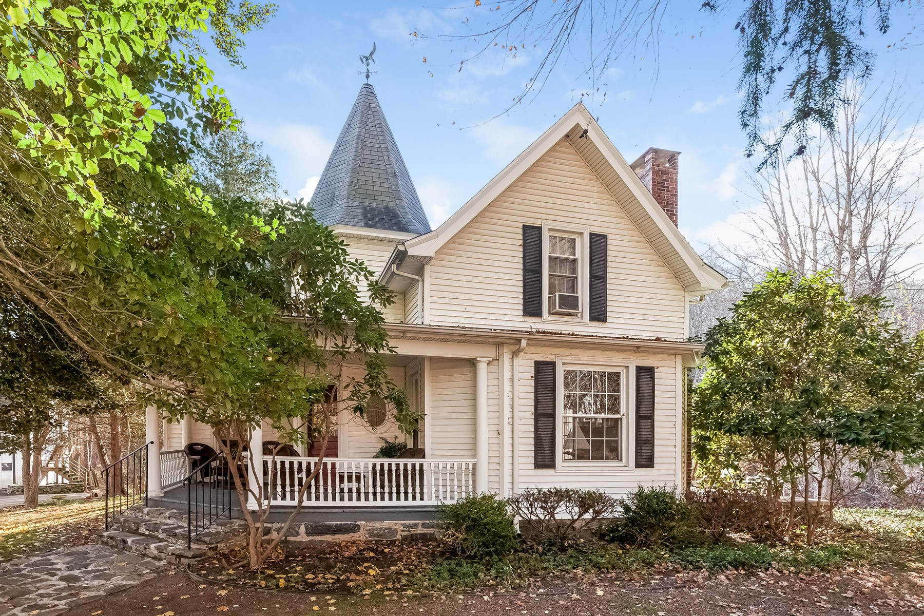 Single Family Home for Sale at Circa 1890 Colonial on 4+ Acres 176 Essex Deep River Deep River, Connecticut 06417 United States