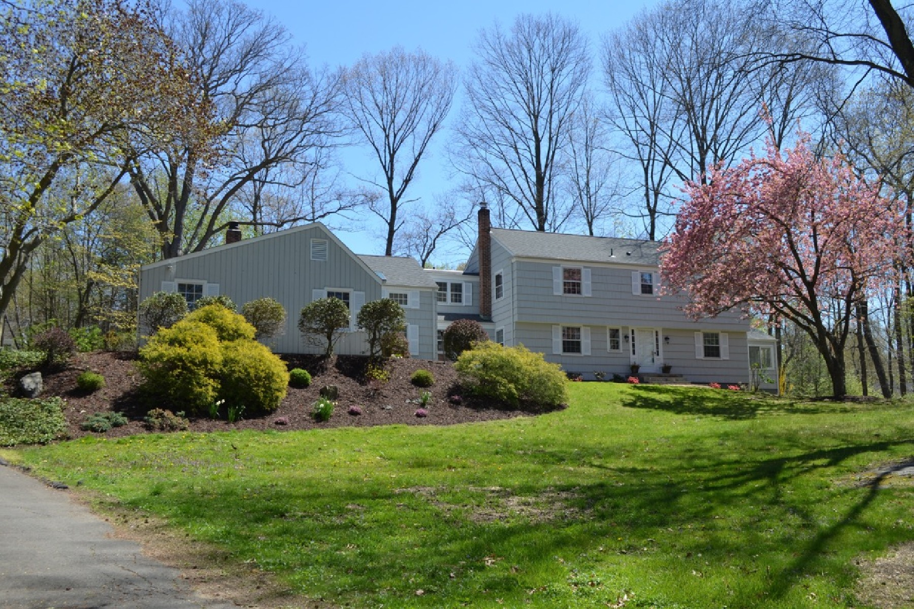 Single Family Home for Sale at Turn-Key Colonial 34 Brushy Hill Road Darien, Connecticut, 06820 United States