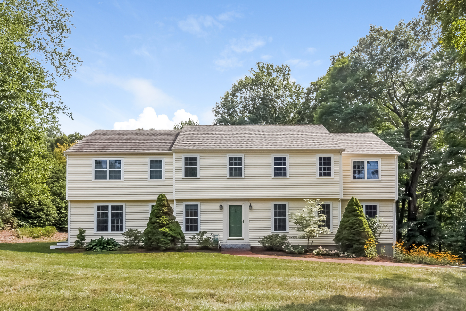 Single Family Home for Sale at 35 Bridle Path Ln Madison, Connecticut, 06443 United States