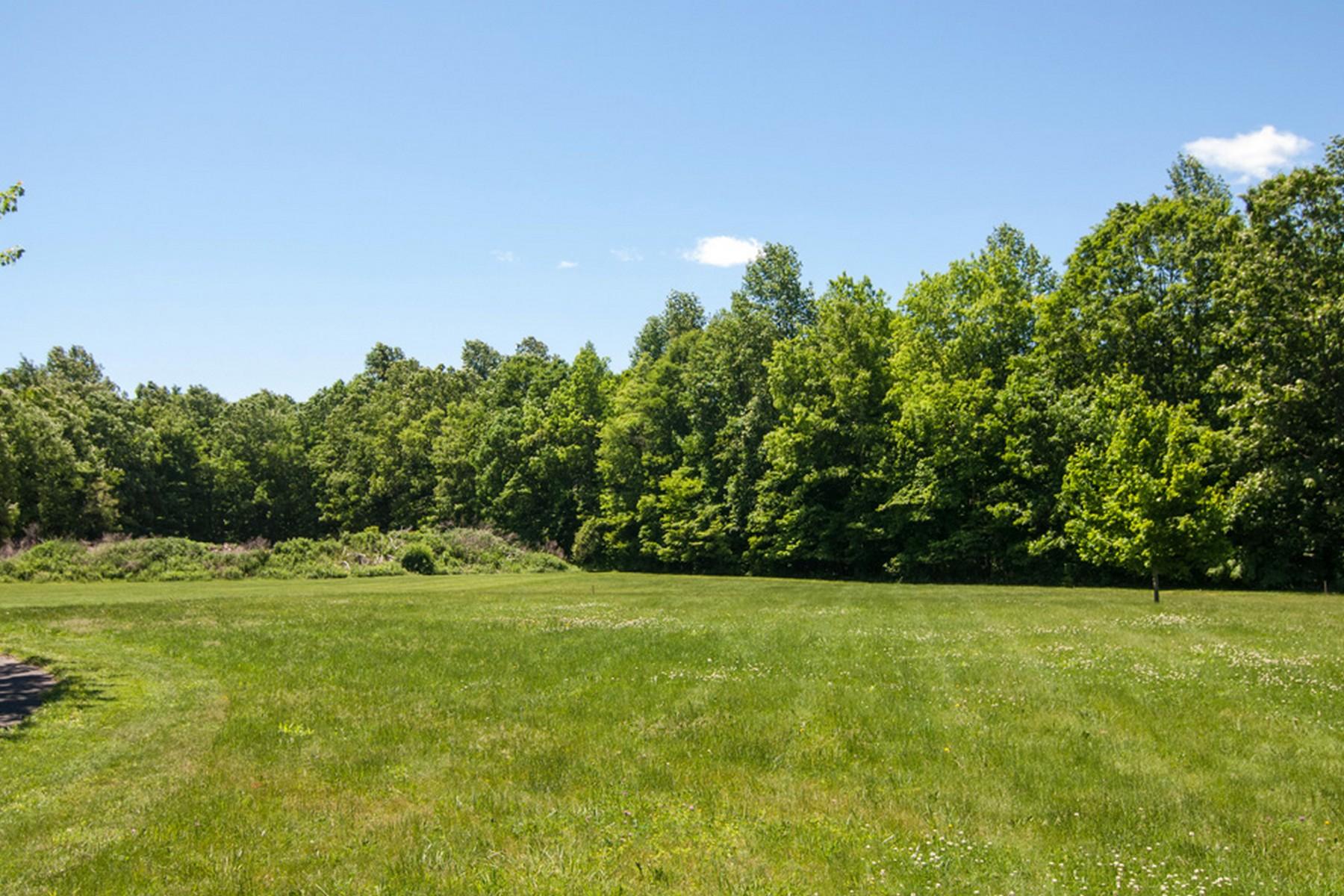 Đất đai vì Bán tại 0 Parker Hill Rd Killingworth, Connecticut, 06419 Hoa Kỳ