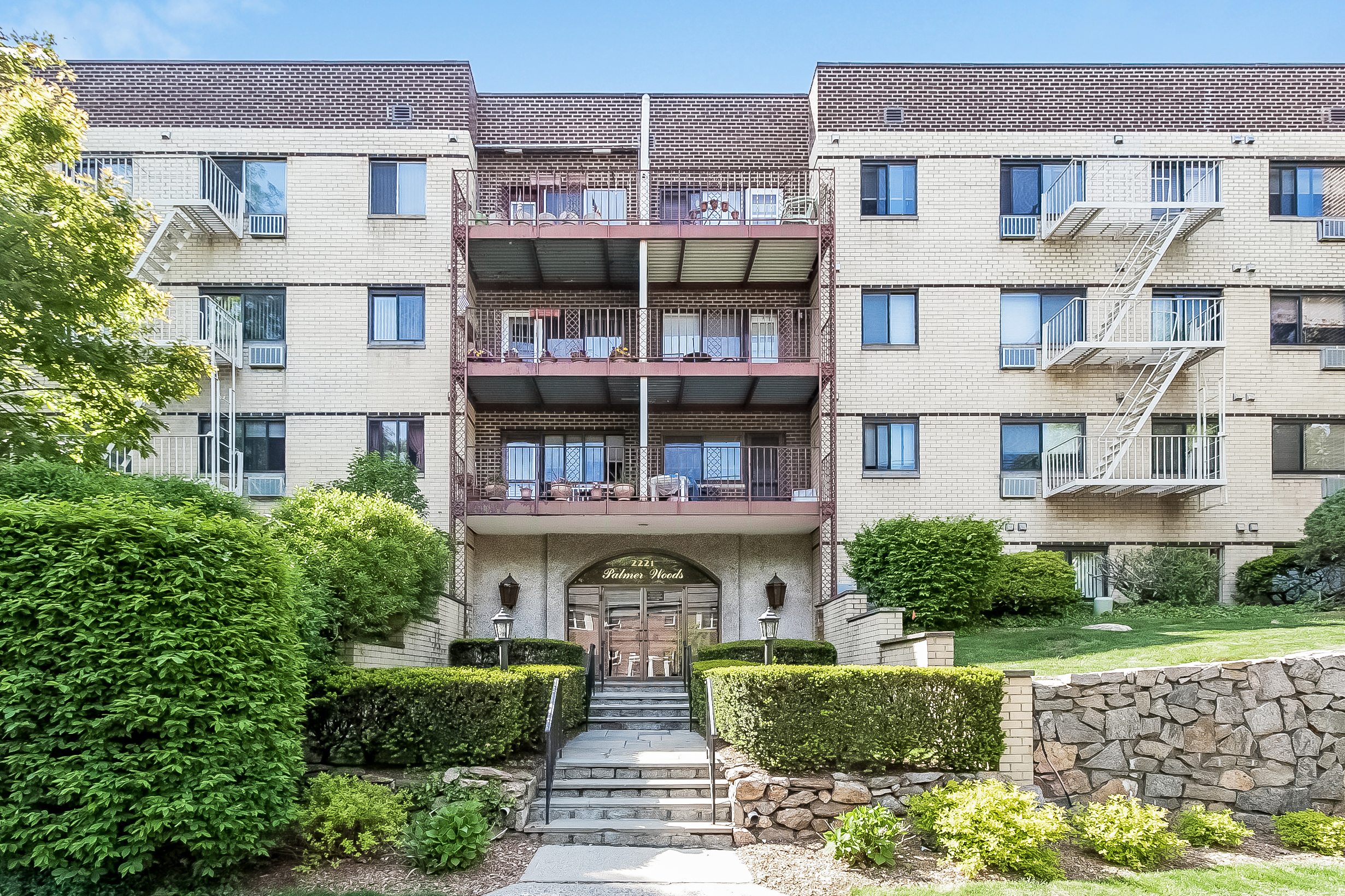 Co-op for Rent at 2221 Palmer Avenue 2221 Palmer Avenue 3F New Rochelle, 10801 United States