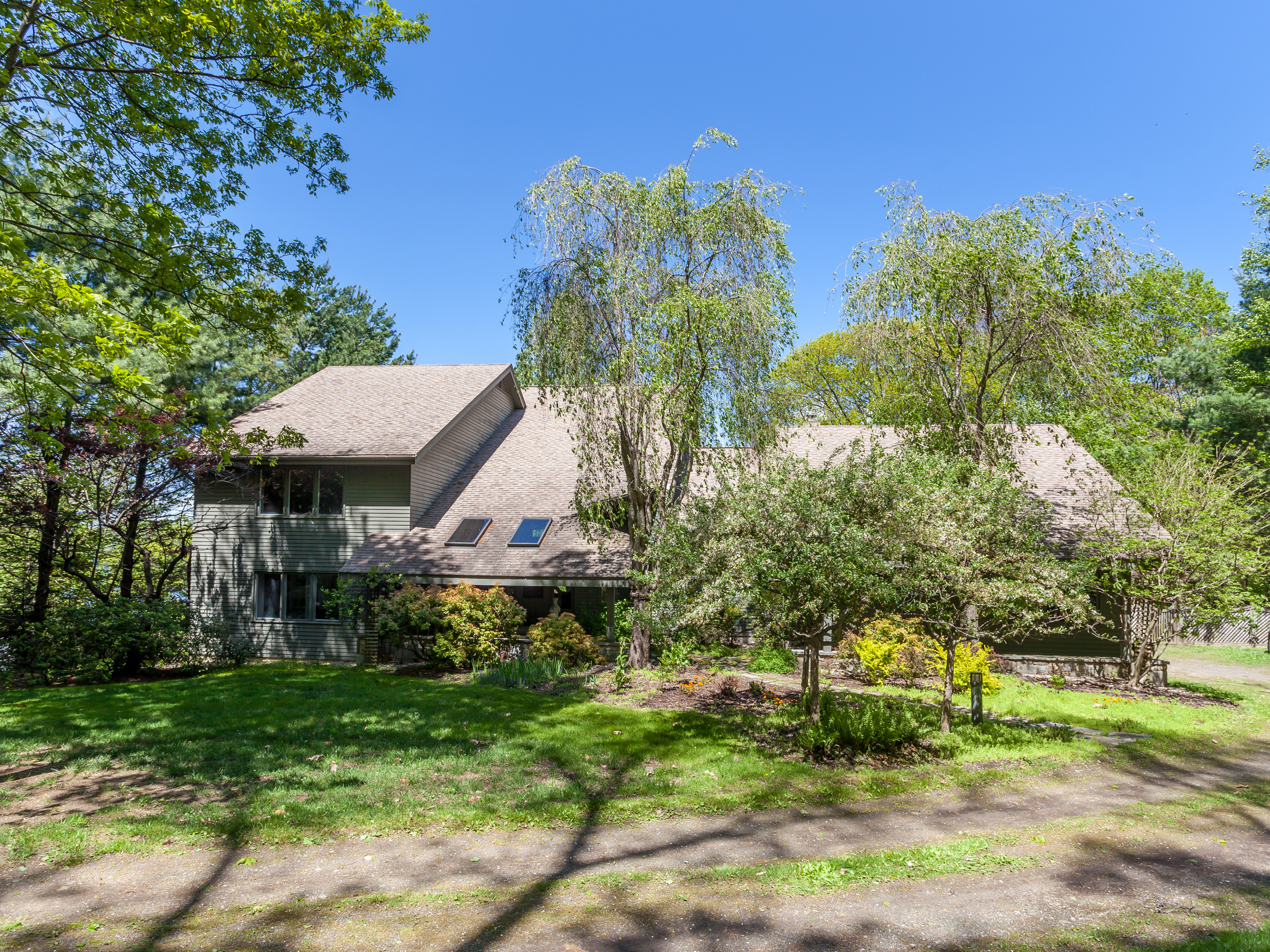 Single Family Home for Sale at Direct Waterfront Candlewood Lake 41 Sail Harbour Drive New Fairfield, Connecticut, 06812 United States