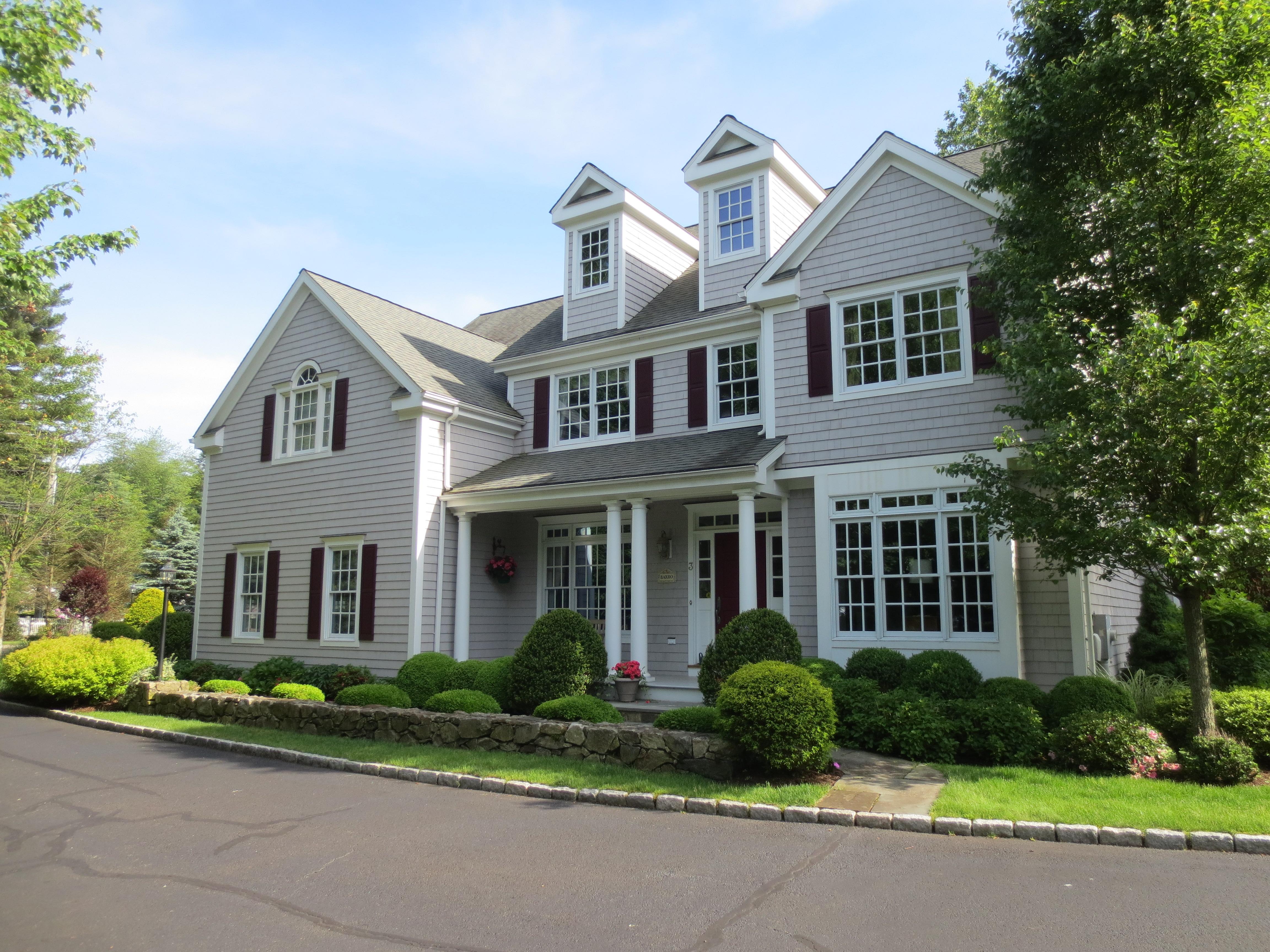 Villa per Vendita alle ore Pristine Sunny Colonial 3 Cottonwood Chase Road 3 Norwalk, Connecticut 06851 Stati Uniti