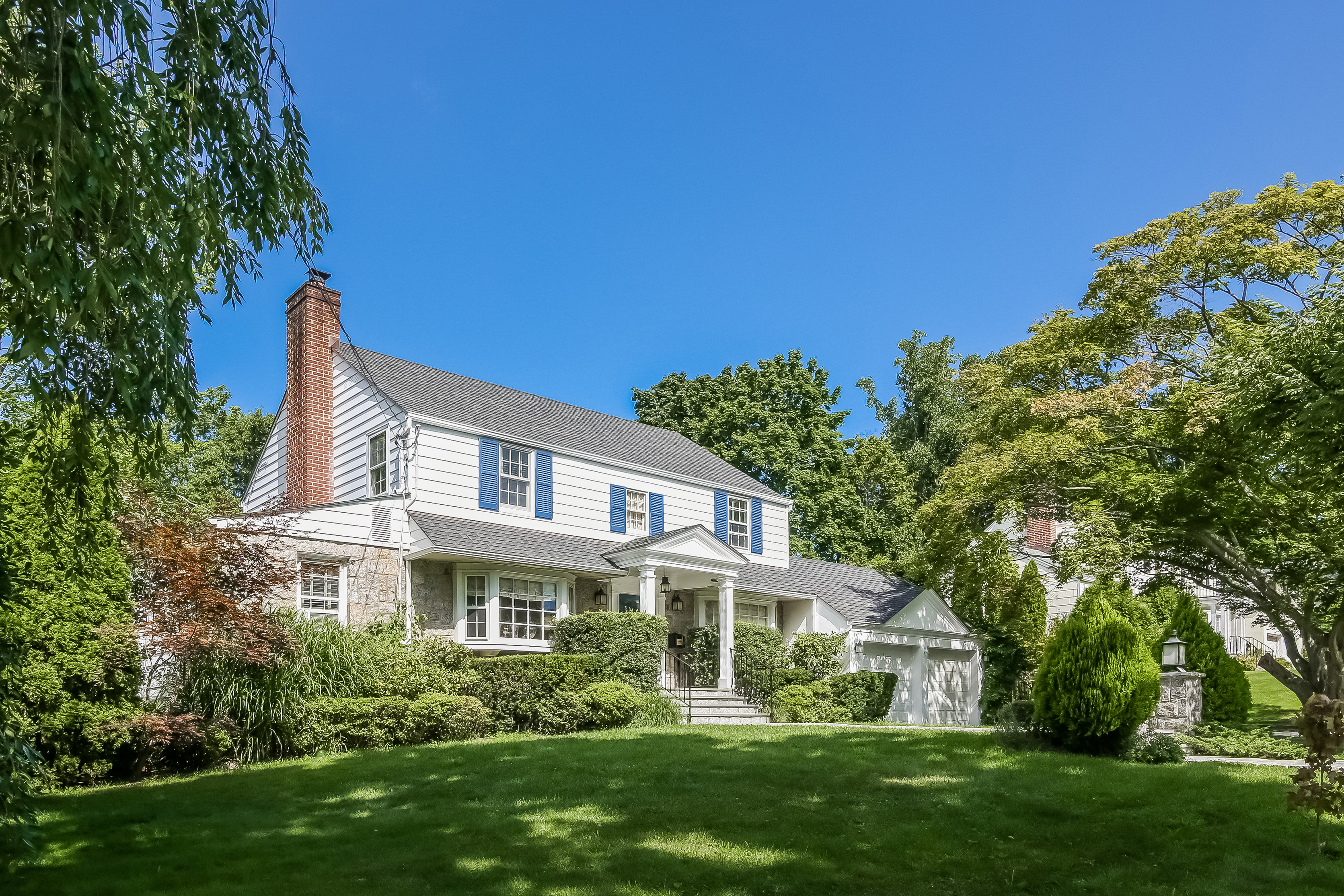 Single Family Home for Sale at Charming Colonial 196 Ferndale Road Scarsdale, New York, 10583 United States