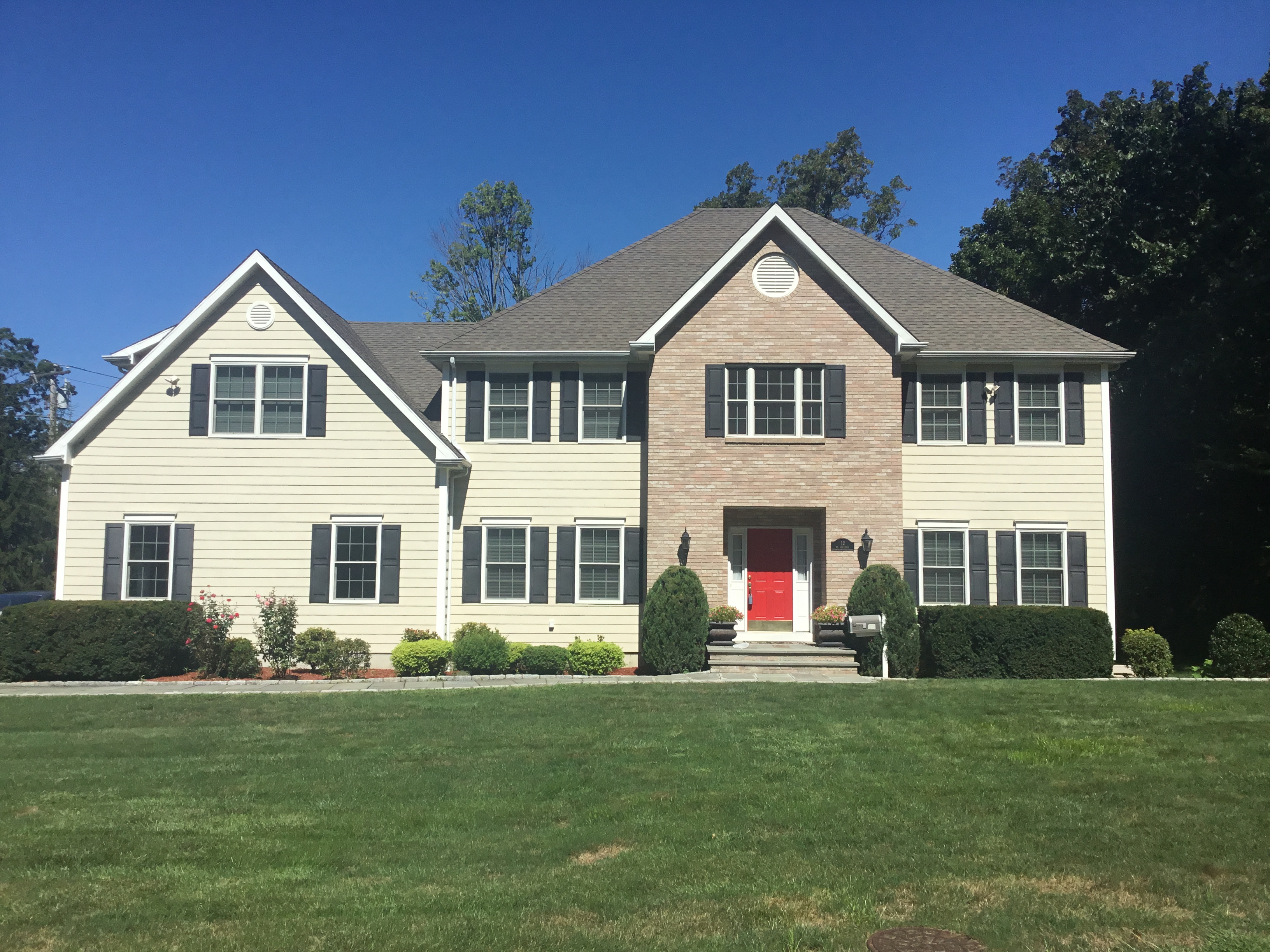Single Family Home for Sale at New in Newfield 12 Bel Aire Drive Stamford, Connecticut, 06905 United States