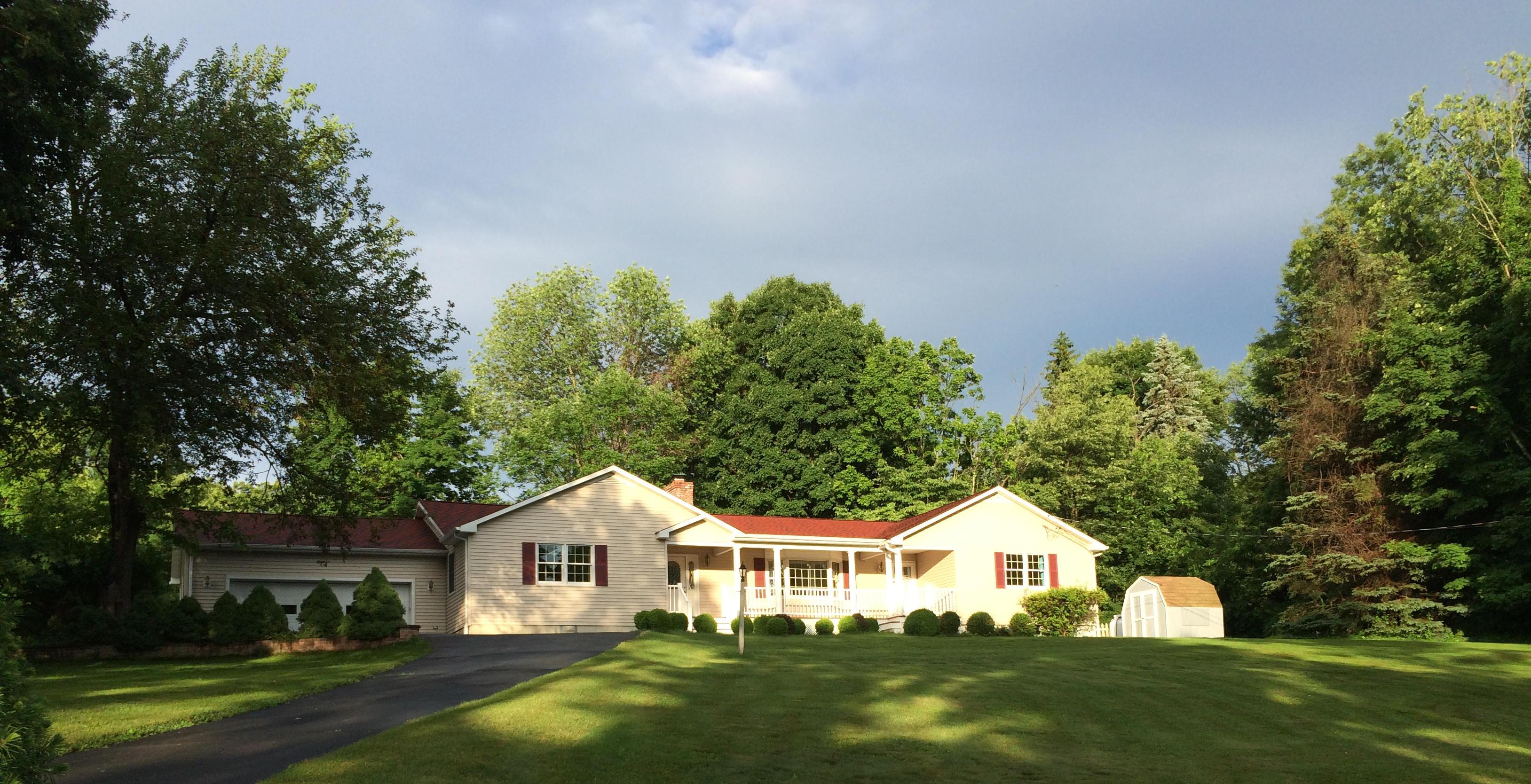 Maison unifamiliale pour l Vente à Spacious Ranch 11 Scodon Drive Ridgefield, Connecticut 06877 États-Unis