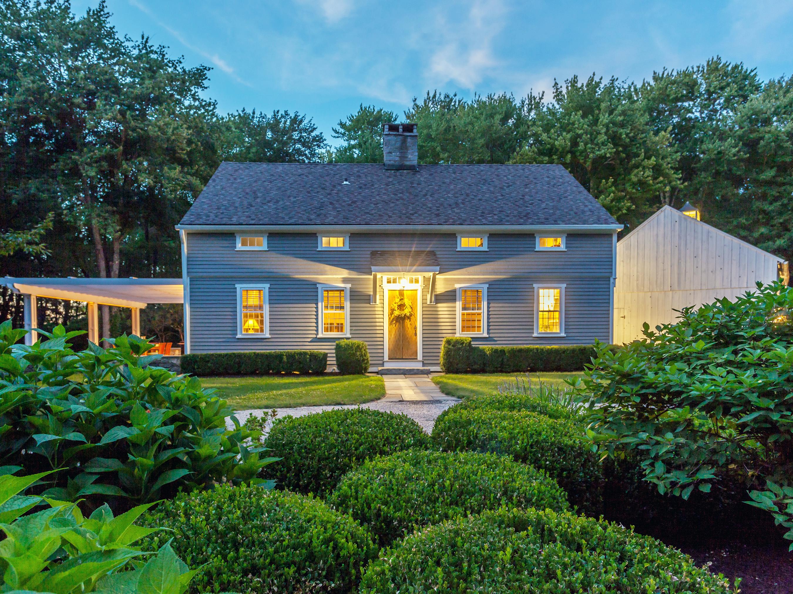 独户住宅 为 销售 在 Charming Cape 257 Good Hill Rd 罗克斯伯里, 康涅狄格州, 06783 美国