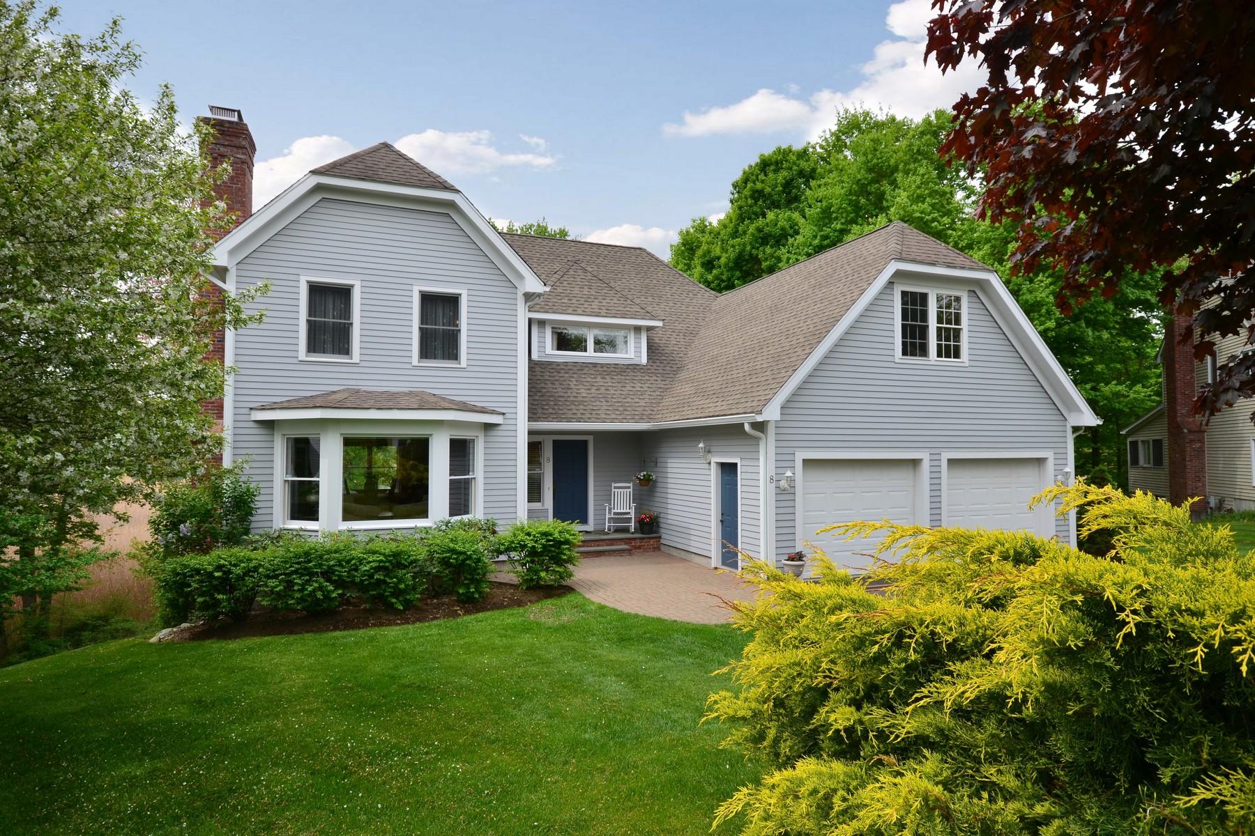 Nhà ở một gia đình vì Bán tại Stunning Colonial 8 Titus Place Ridgefield, Connecticut 06877 Hoa Kỳ