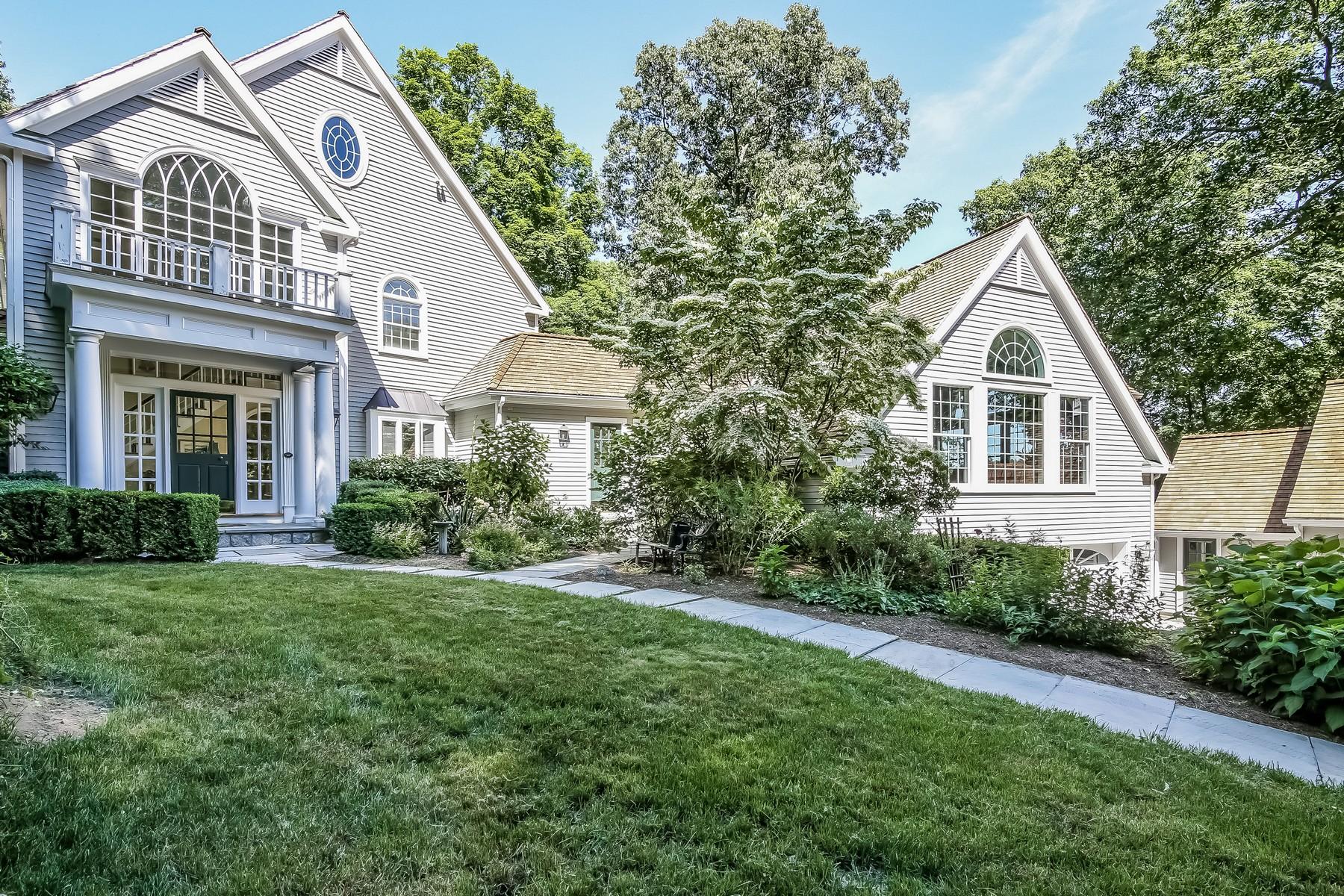 独户住宅 为 销售 在 Magnificent Nod Hill Colonial 222 Nod Hill Road 威尔顿, 康涅狄格州, 06897 美国