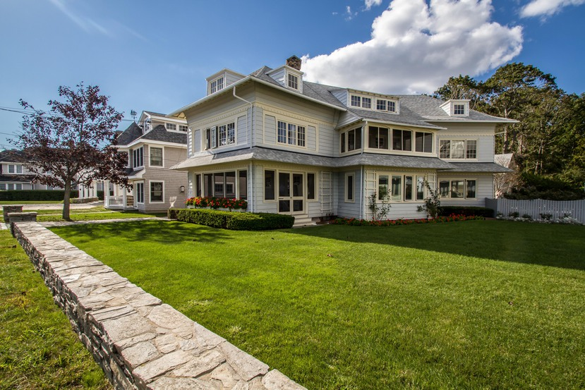 Single Family Home for Sale at Middle Beach 57 Middle Beach Rd Madison, Connecticut 06443 United States