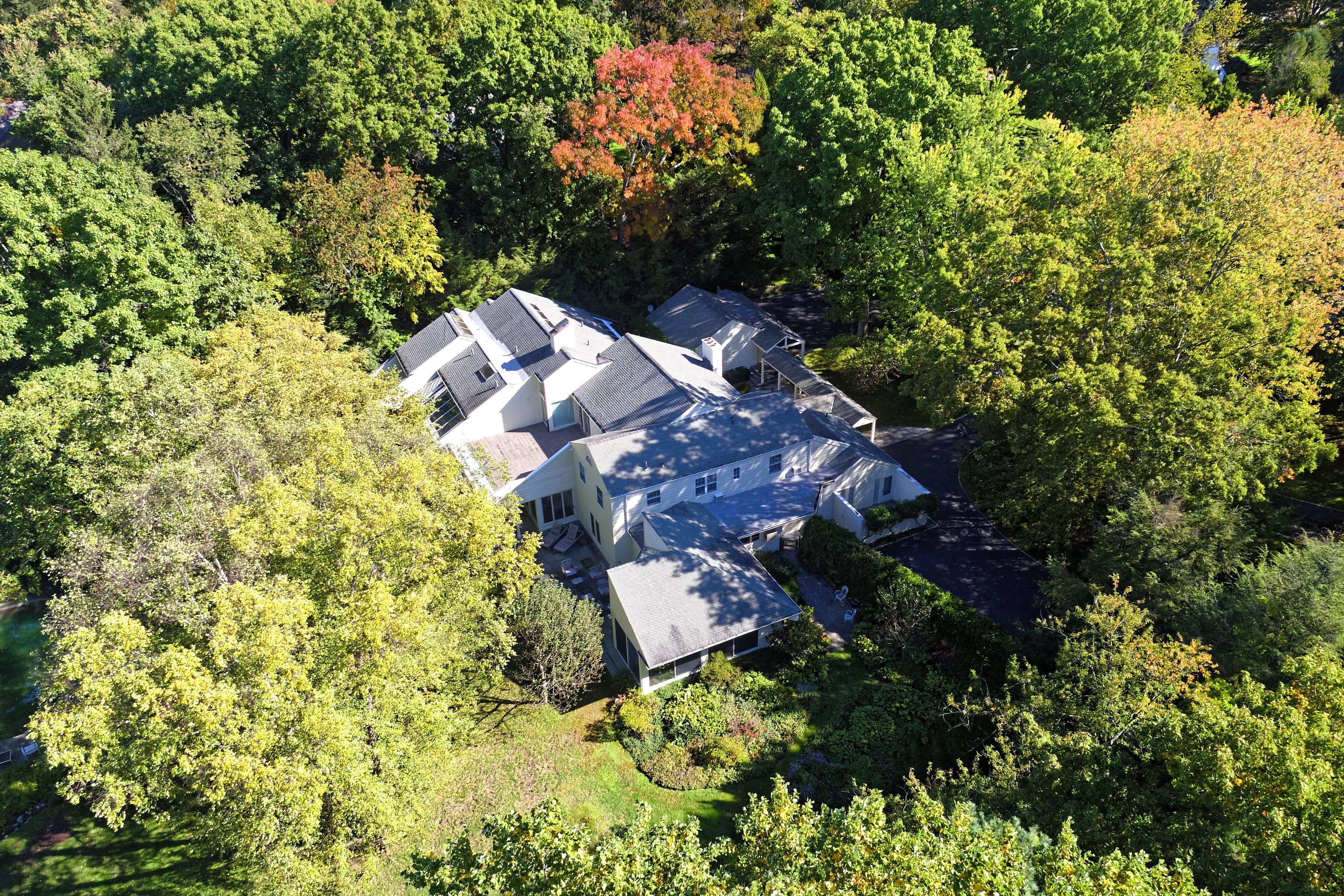 独户住宅 为 销售 在 20 Pleasant Ridge Road 哈里森, 纽约州, 10528 美国