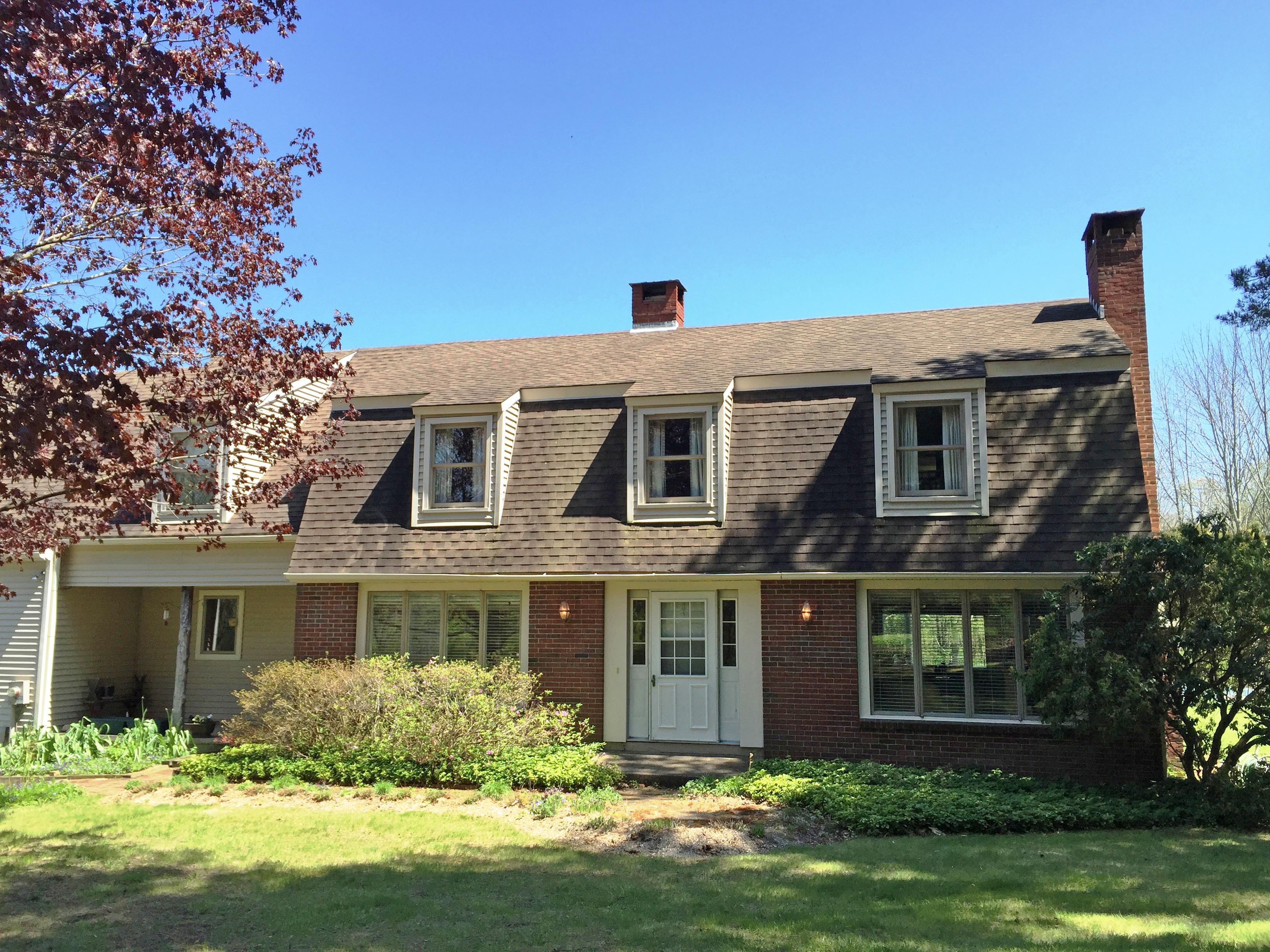 独户住宅 为 销售 在 Country Home 27 Winston Dr 华盛顿, 康涅狄格州, 06794 美国
