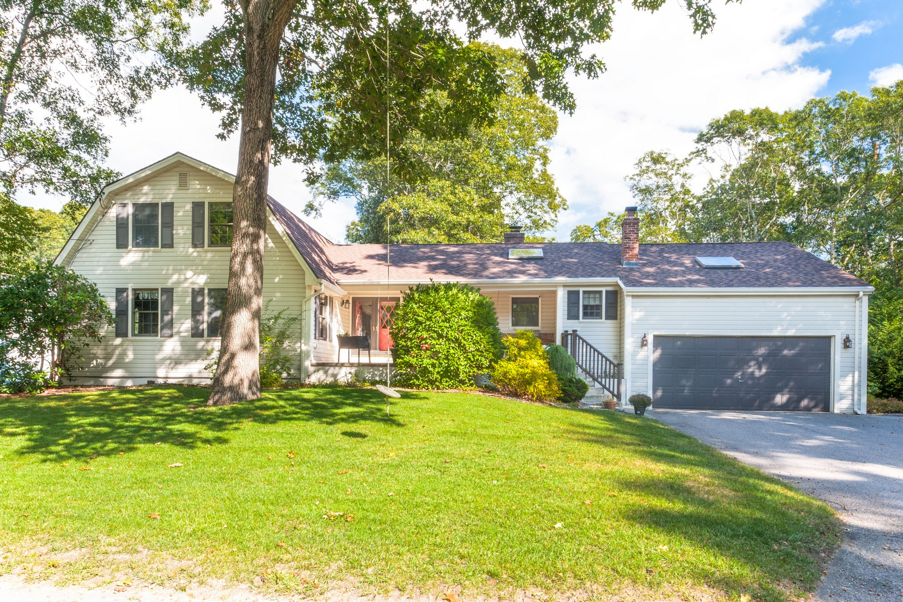 Single Family Home for Sale at Private Beach Association at Giants Neck 129 S Edgewood Road East Lyme, Connecticut 06357 United States