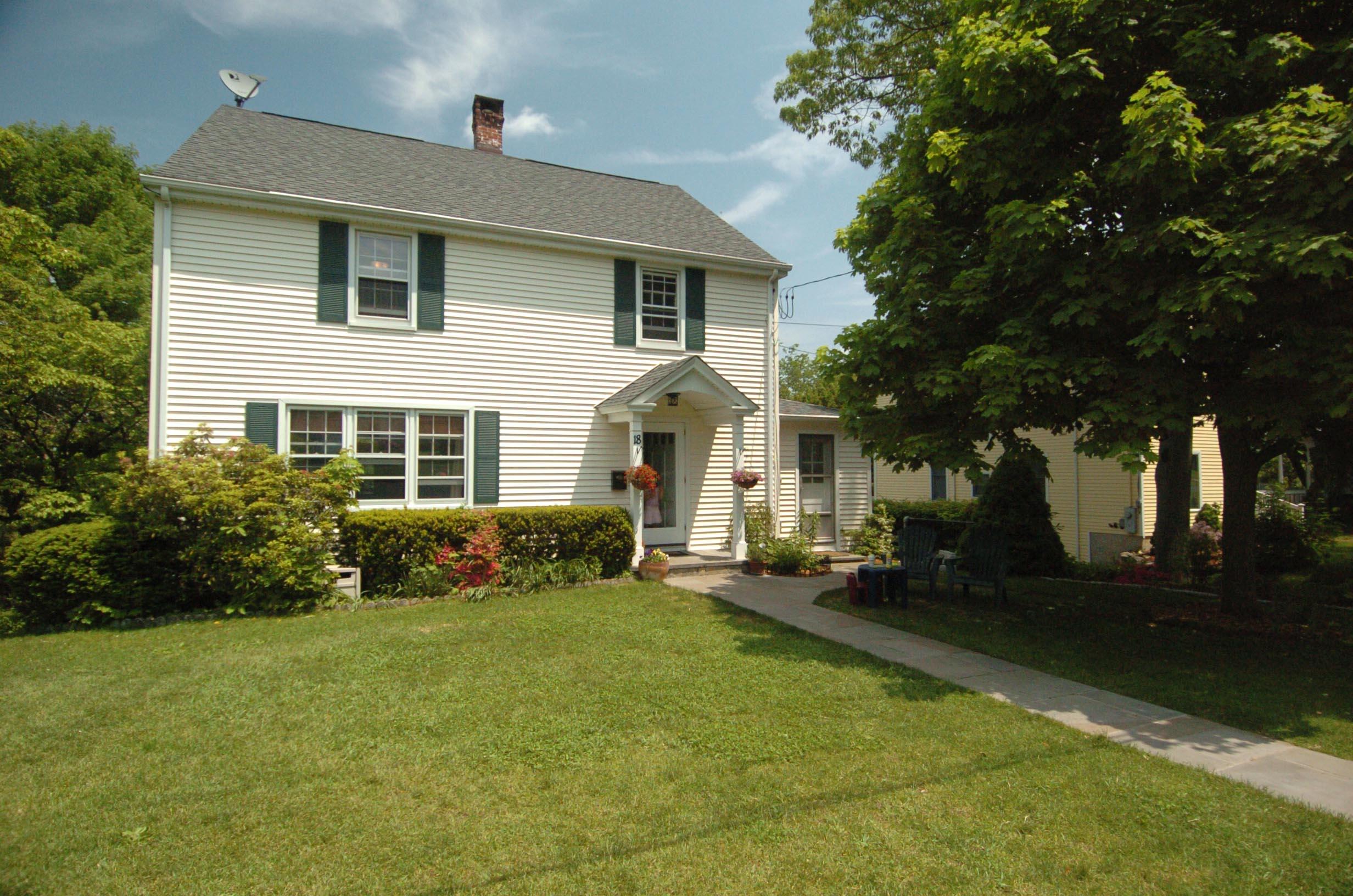 단독 가정 주택 용 매매 에 In the Heart of Ridgefield 18 Island Hill Avenue Ridgefield, 코네티컷, 06877 미국