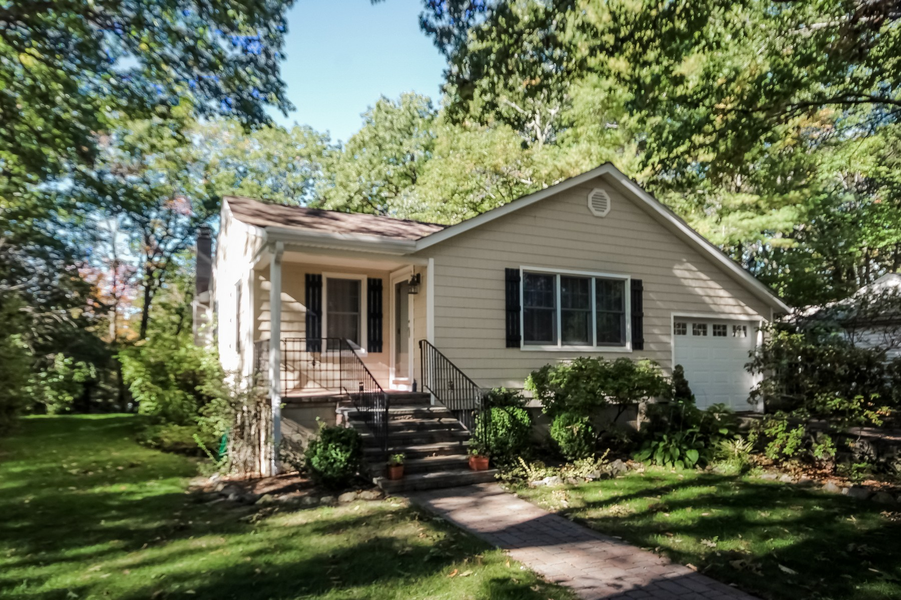 Single Family Home for Sale at Lake Waubeeka Charmer 126 Carol Street Danbury, Connecticut, 06810 United States