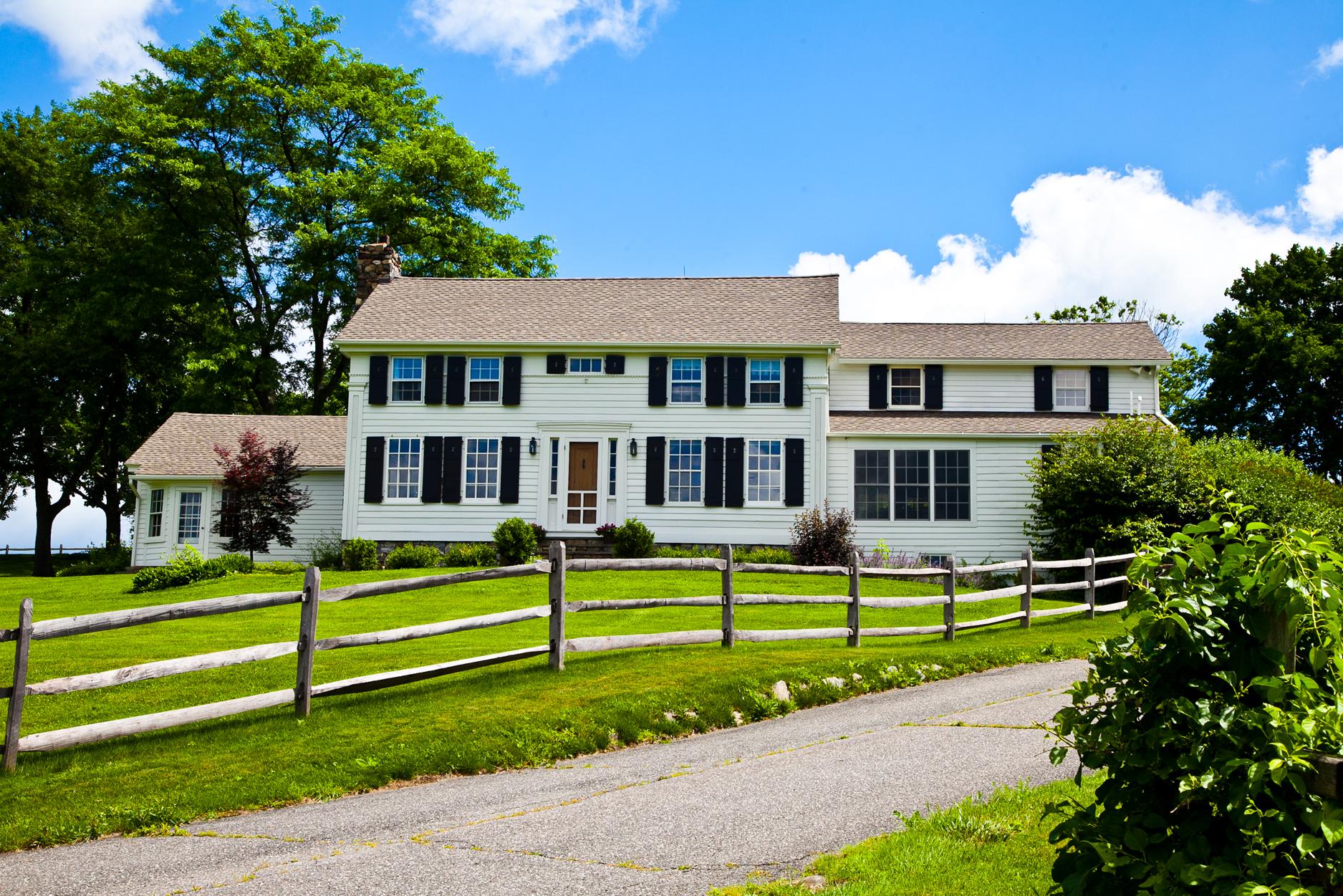 Casa Unifamiliar por un Venta en Red Fox Farm 181 Beebe Hill Road Falls Village, Connecticut, 06031 Estados Unidos