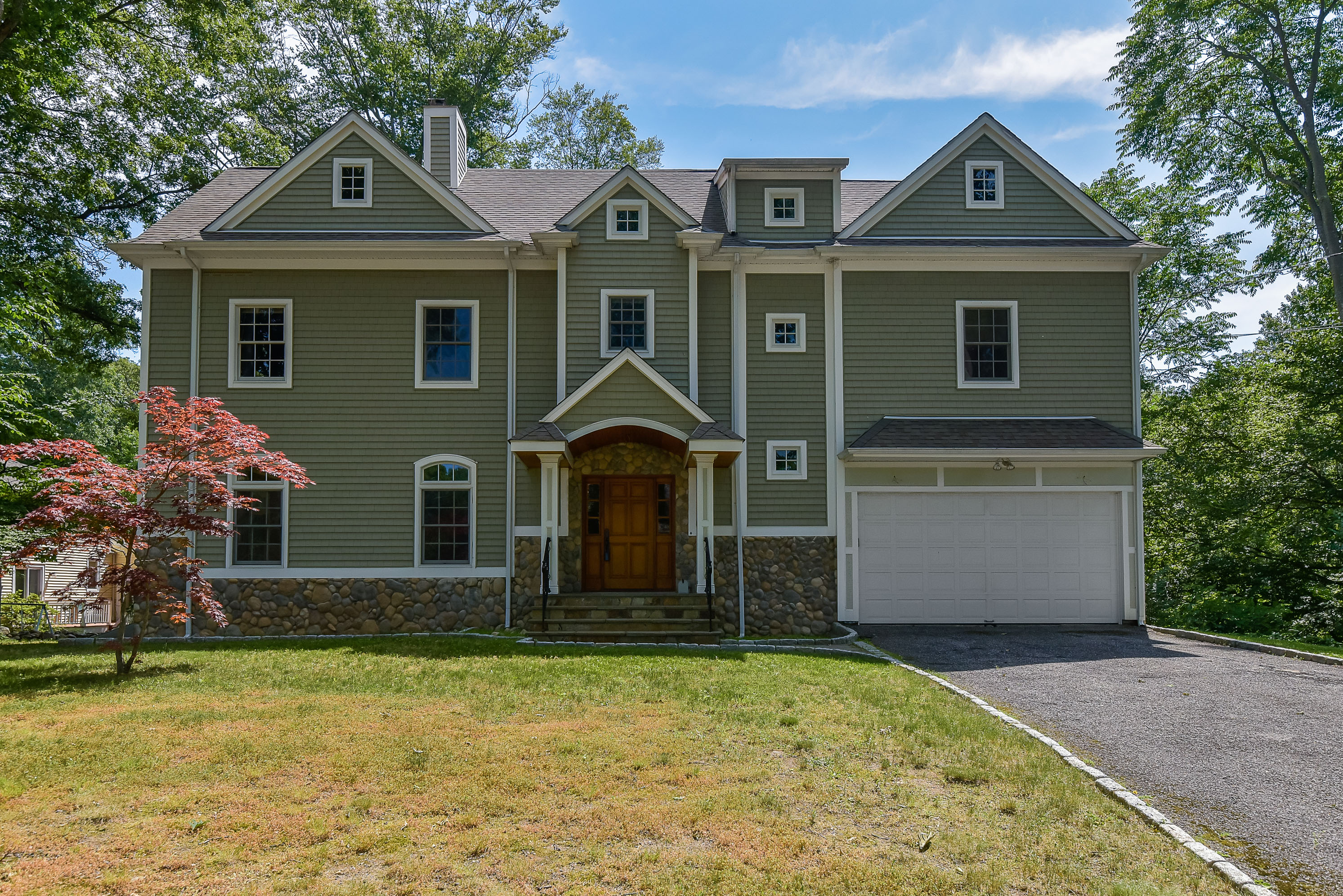 sales property at Mid-Ridges Colonial