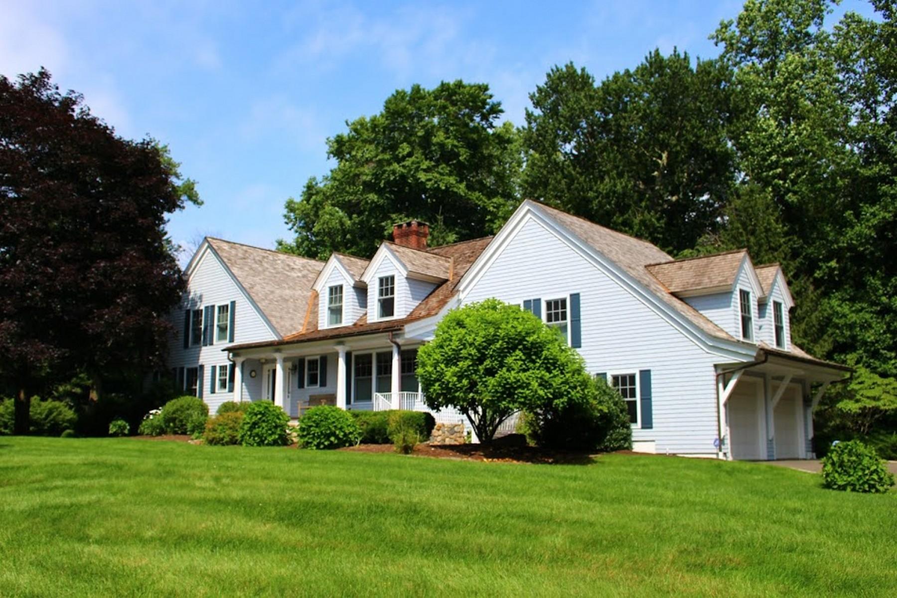 Casa para uma família para Venda às Hunt Club Area 1 Ulbrick Lane Westport, Connecticut 06880 Estados Unidos