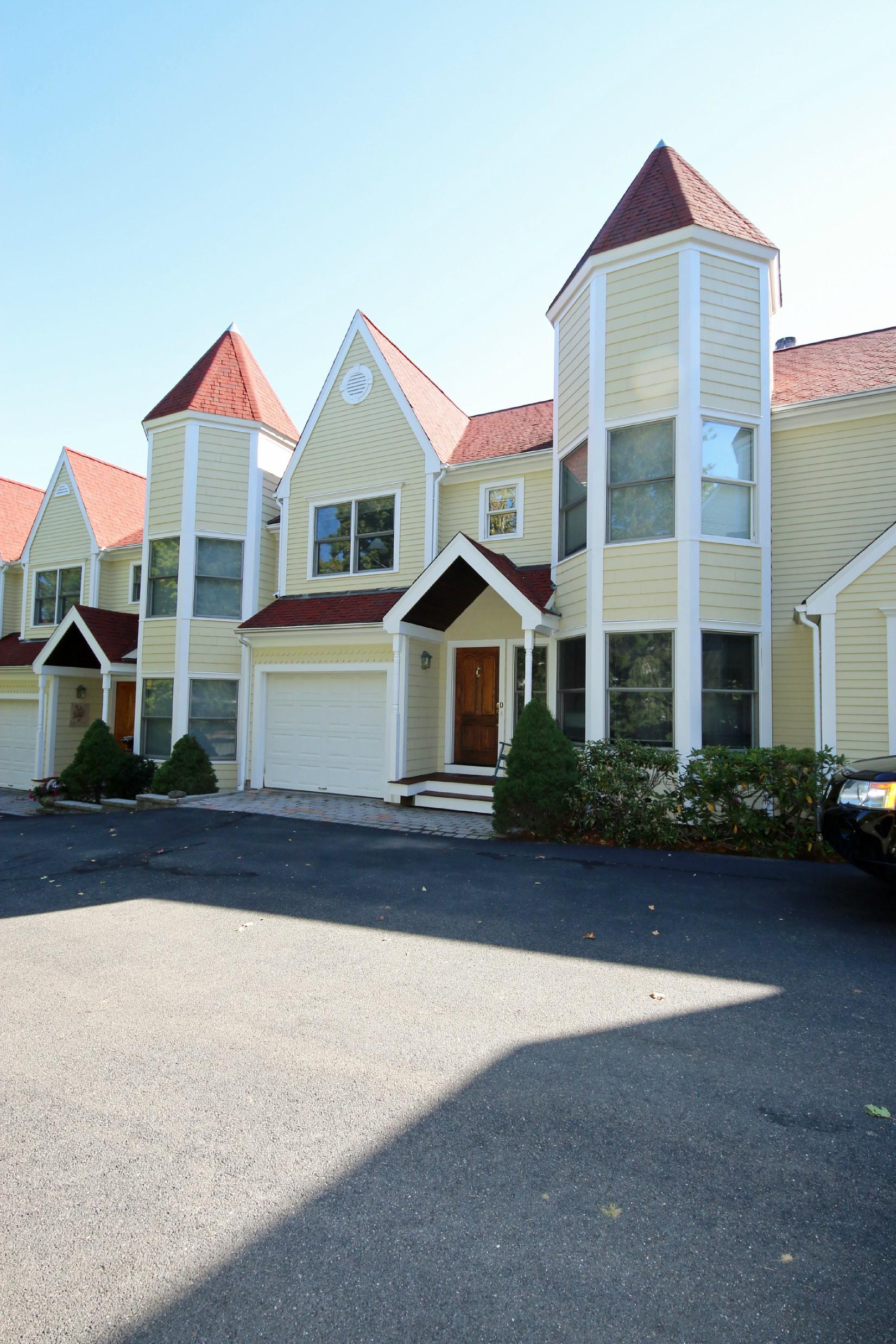 타운하우스 용 매매 에 Best of In-town Living 59 Prospect Street D Ridgefield, 코네티컷, 06877 미국